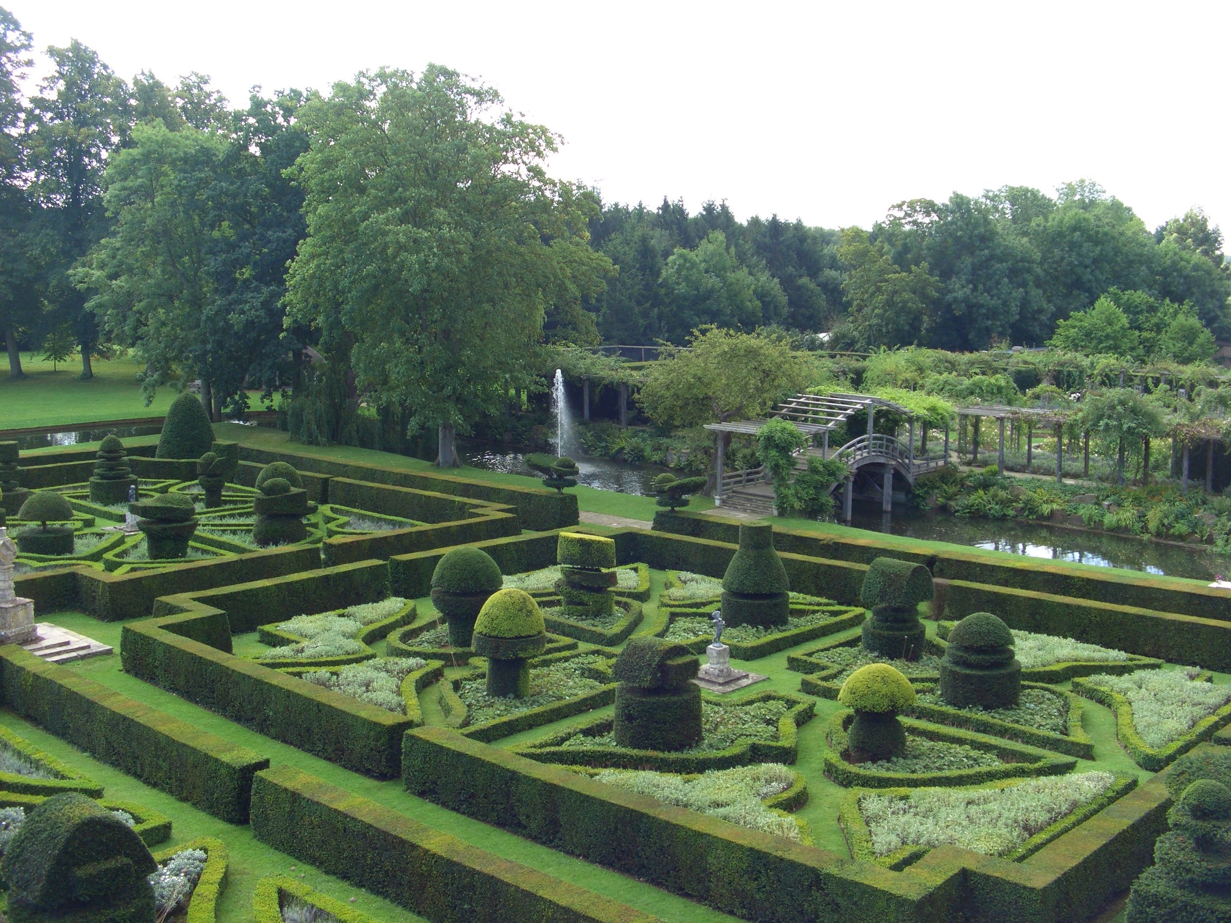 Parterre, bridge and rose garden from above 2007