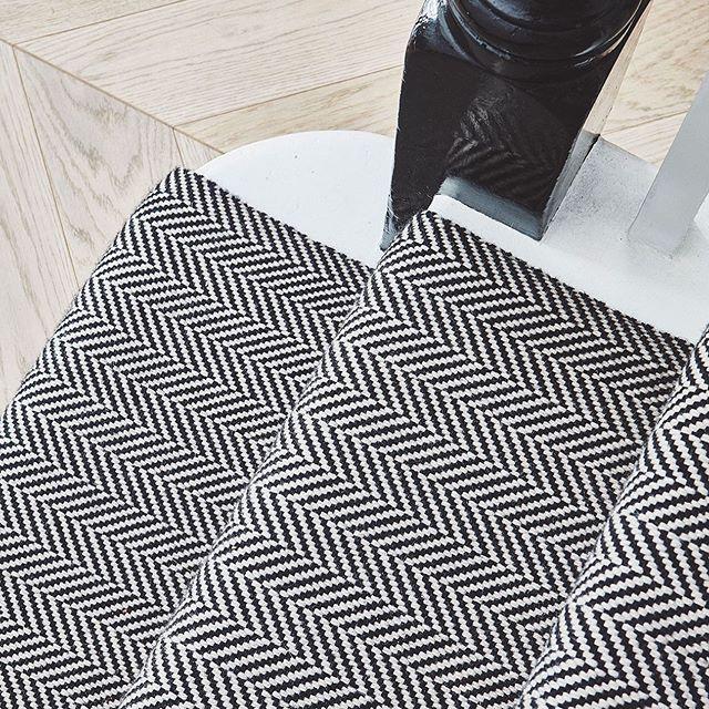 Chevron parquet.. Chevron carpet..#flooring #hallway #staircaserunner #bowloom #staircase #chevronfloor #monochromaticinterior #huxleyhome #interiordesign #design Abbeville Road, SW4