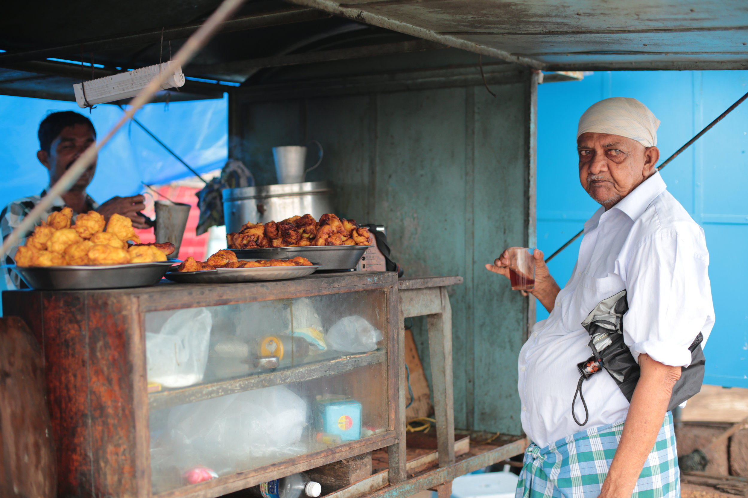 At 5 o'clock, head to the blue carts parked next to the fish market to sample some arikadduka, Tellicherry's most prized snack – stuffed and fried mussels.