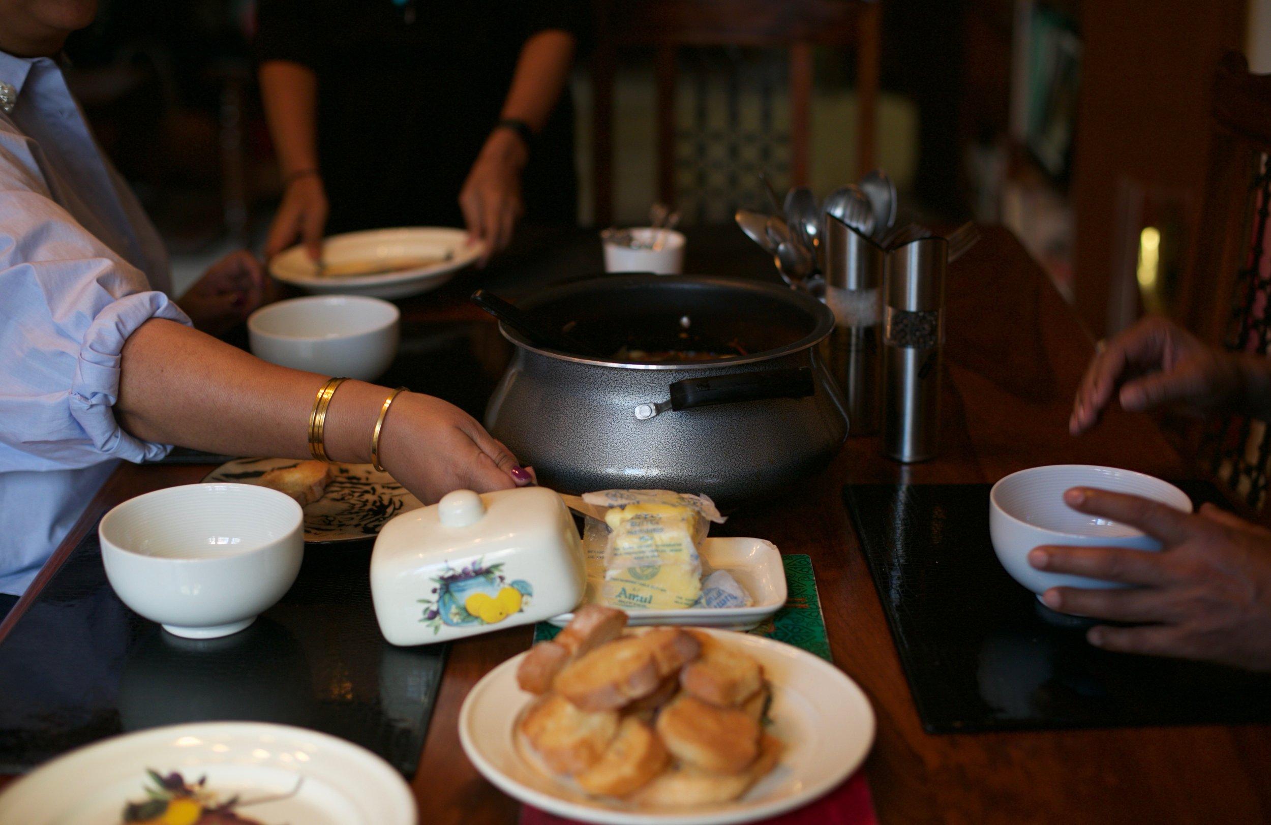 Jeet Thayil cooks a Fisherman's Bouillabaisse for #1000Kitchens