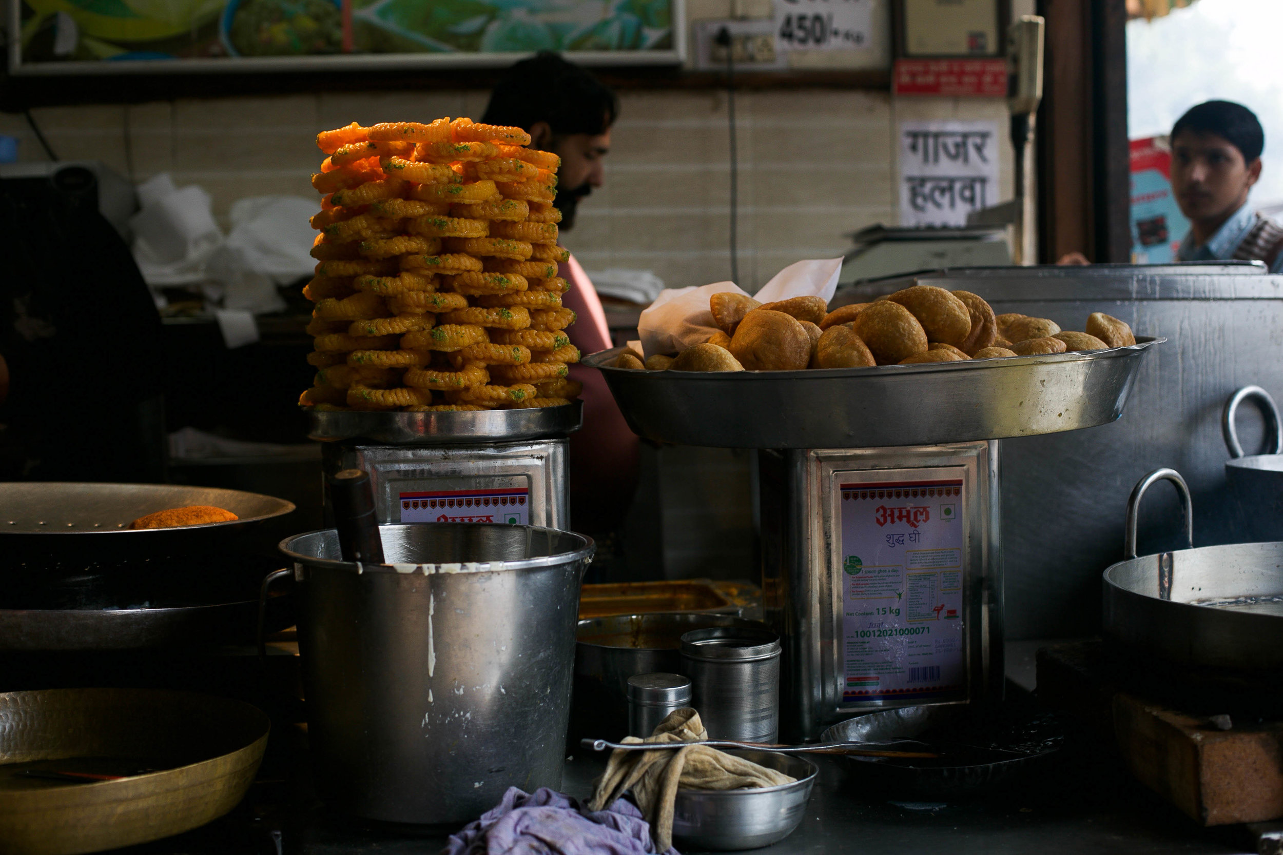 Along the route of our 5-hour walk, Anubhav greets the street vendors and the shopkeepers like old friends. He has been bringing tourists from within the country, and beyond, to these lanes for over seven years now.