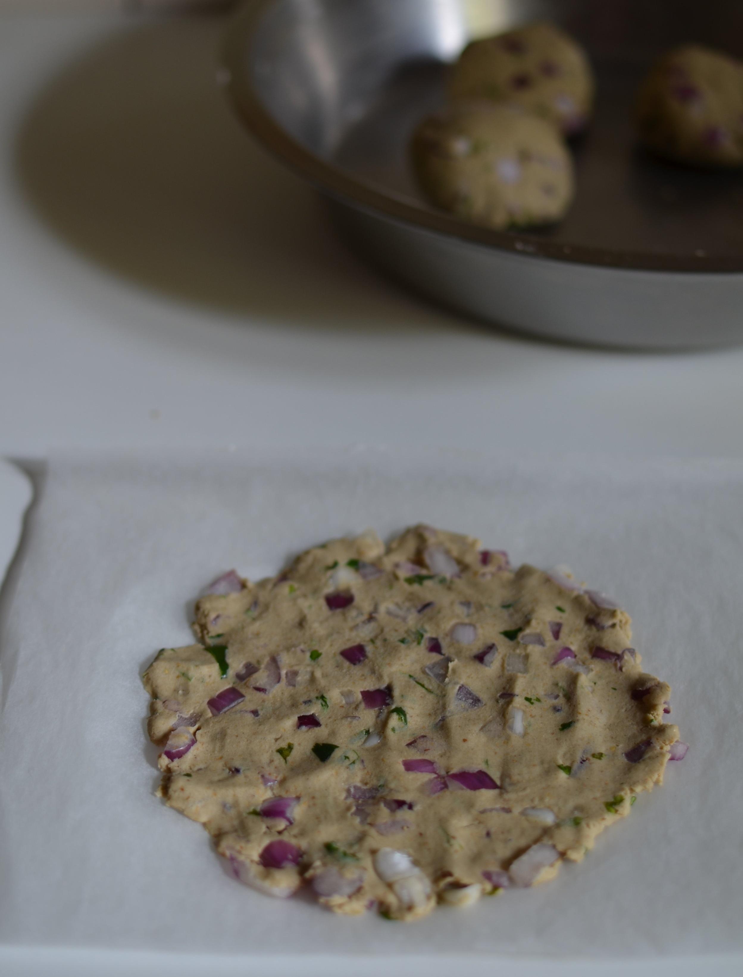 maharashtrian thalipeeth recipe bhajani flour mix