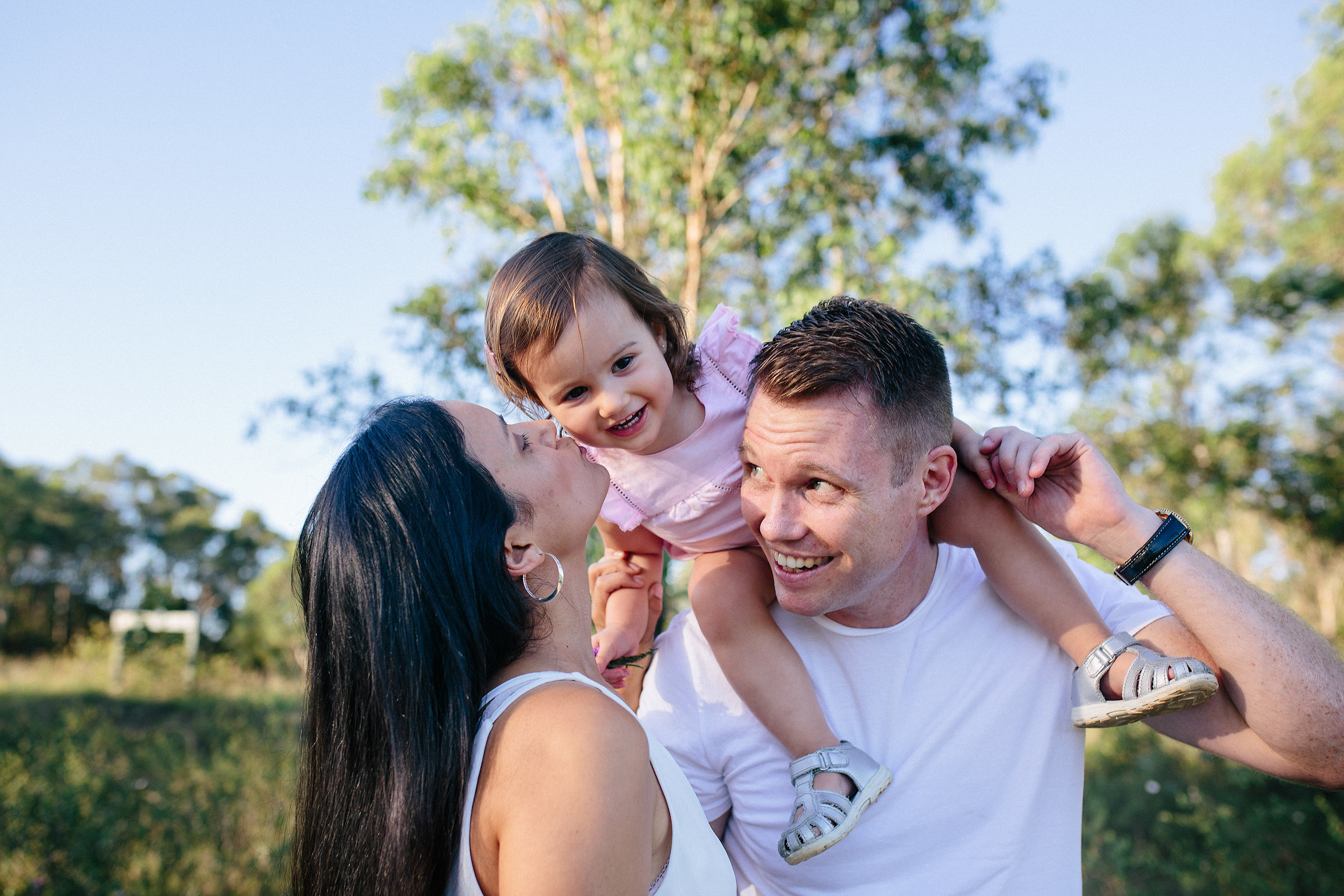 Family Photography - kisses | Lauren Kennedy Photographer