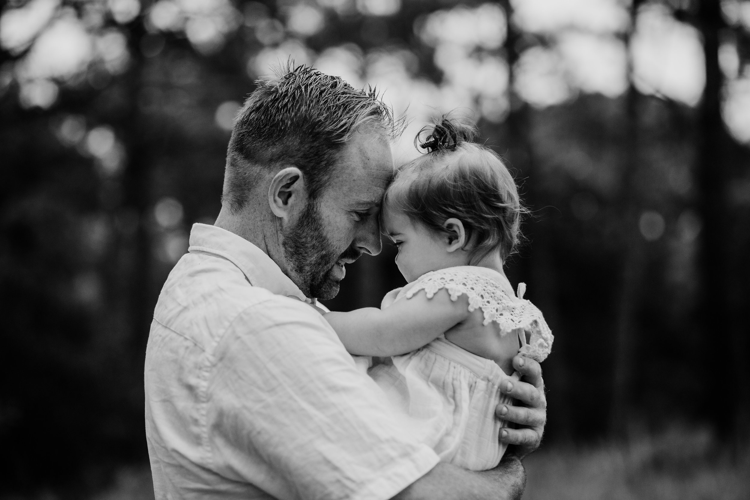Tender moments family photography