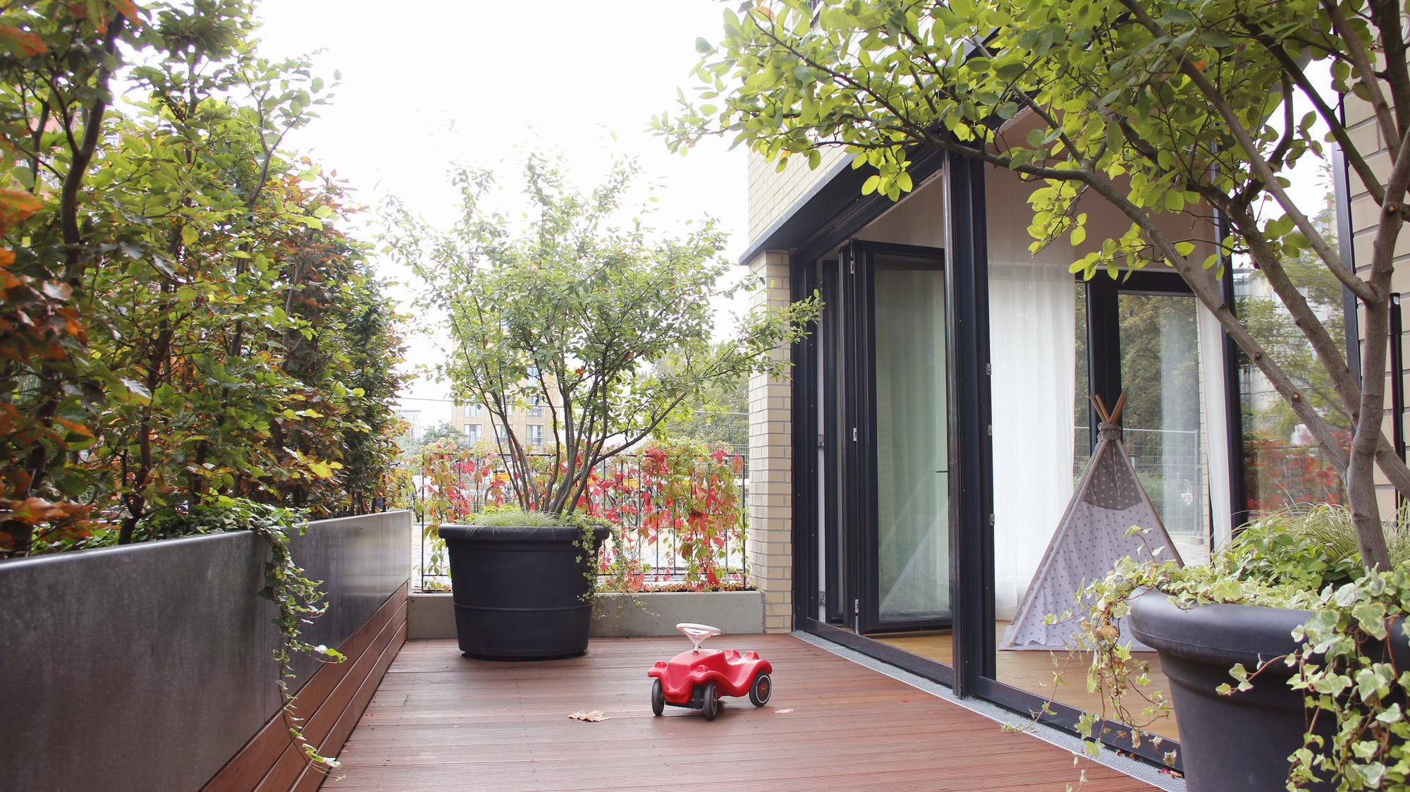 kinderraum terrasse.jpg