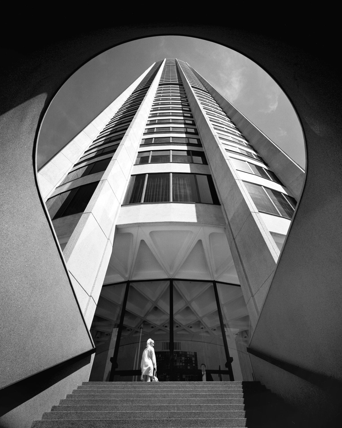 Probably the most iconic Harry Seidler building, Australia Square Tower (1961-1967). Photograph by the legendary  Max Dupain .