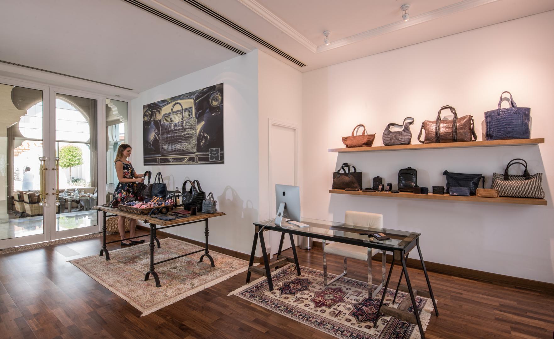 Dubai Shop 3.jpg