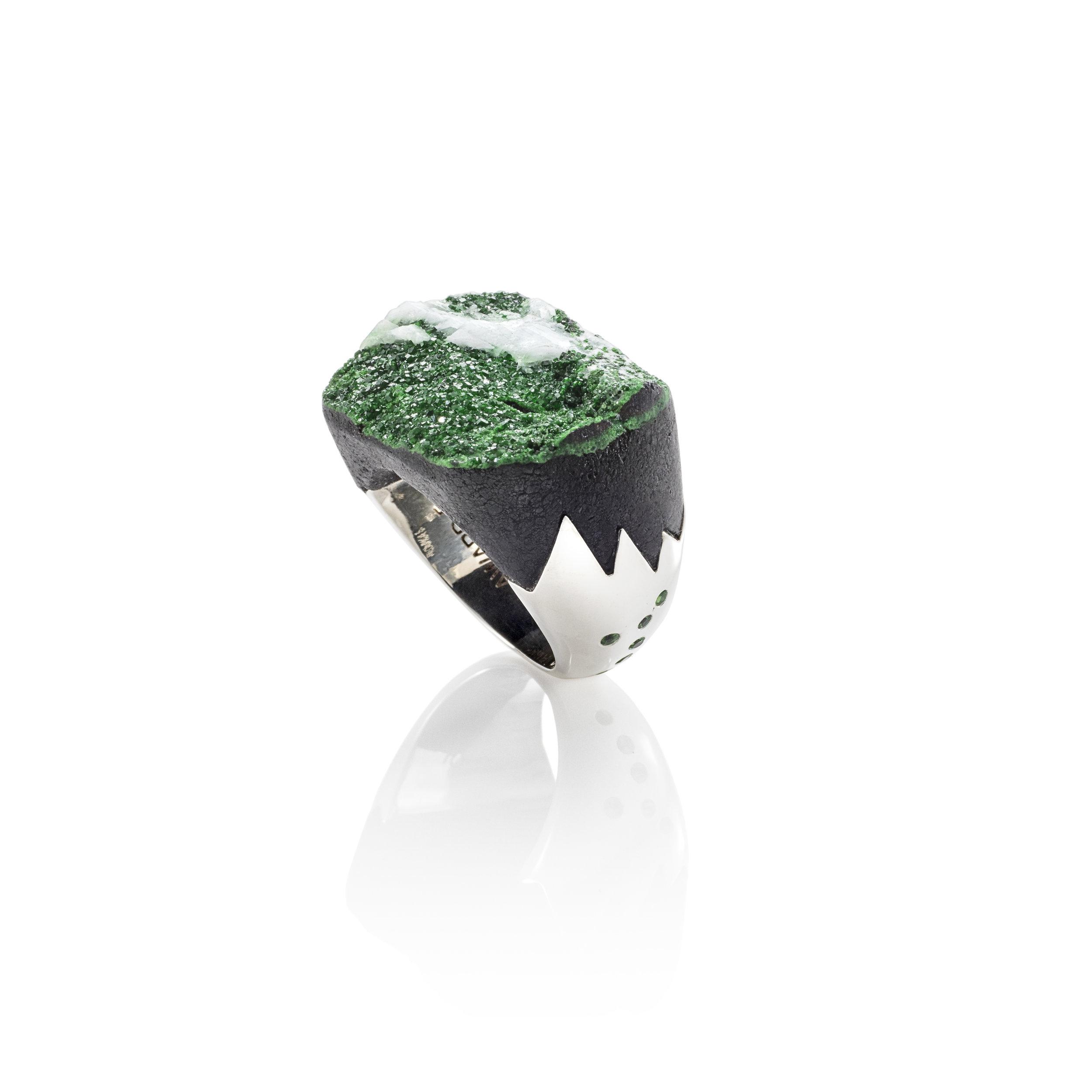 钙铬榴石与水晶,925银镶沙弗莱石戒指
