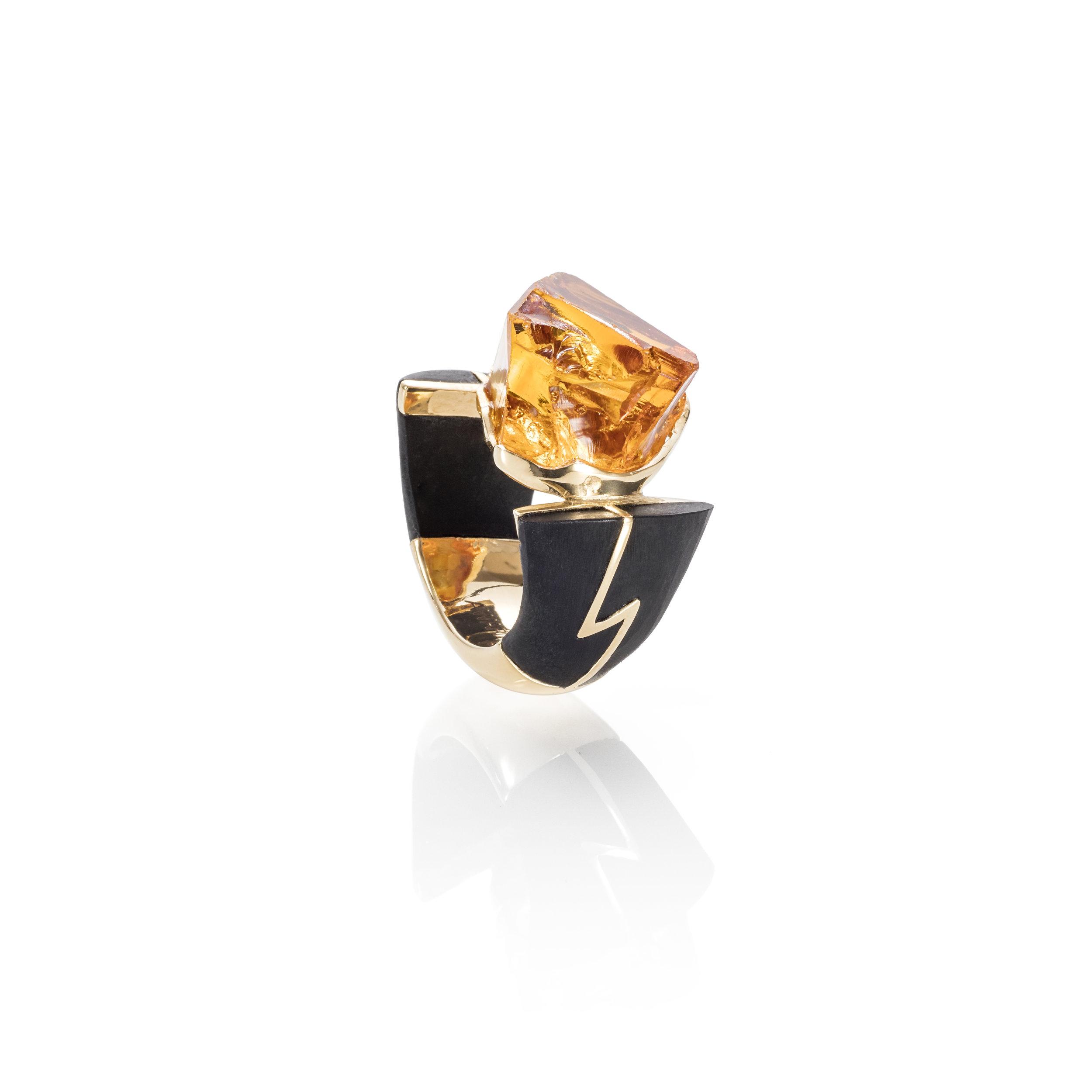 巴西干邑水晶,18k黄金镶嵌黑玉戒指