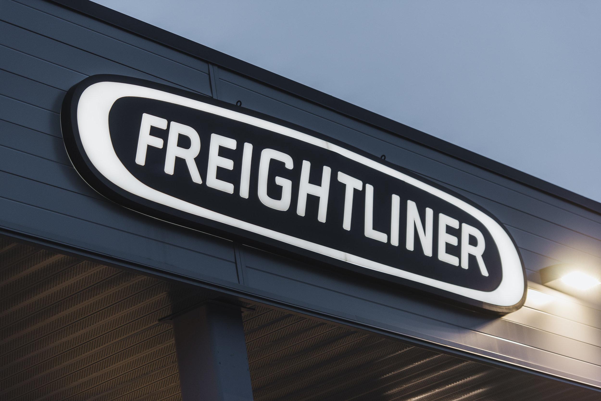 freightliner-0020.jpg