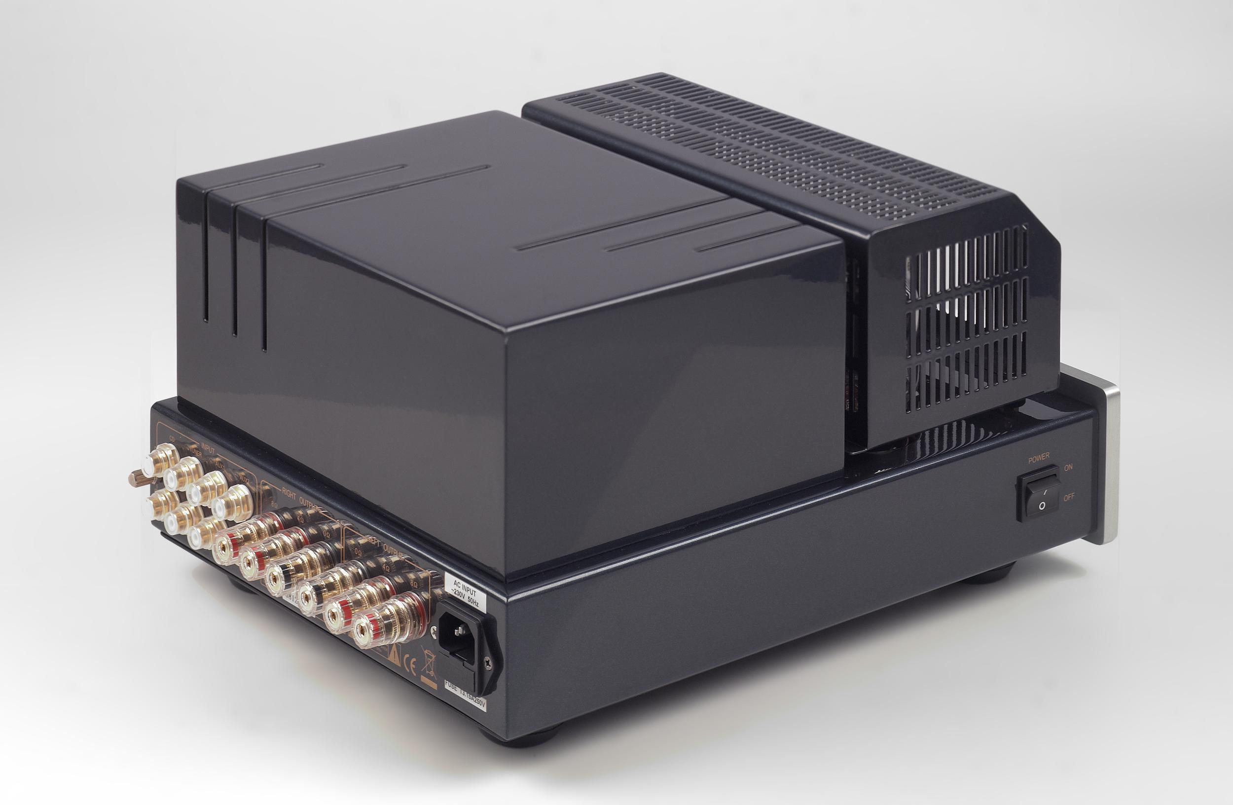 007-PrimaLuna Classic Integrated Amplifier-zilver.jpg