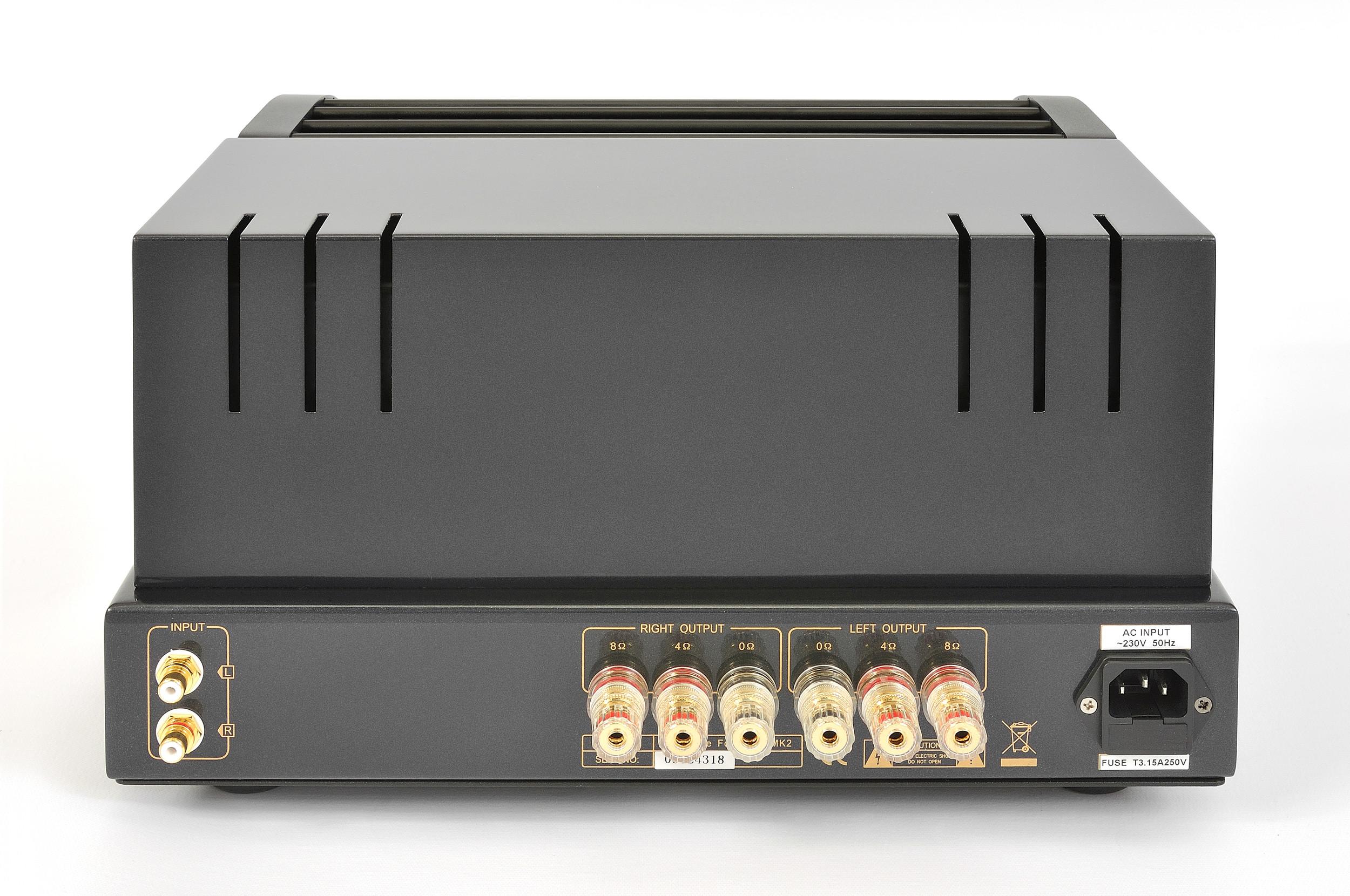 ProLogue Premium Stereo Amplifier - black - rear - HR - JPG.jpg