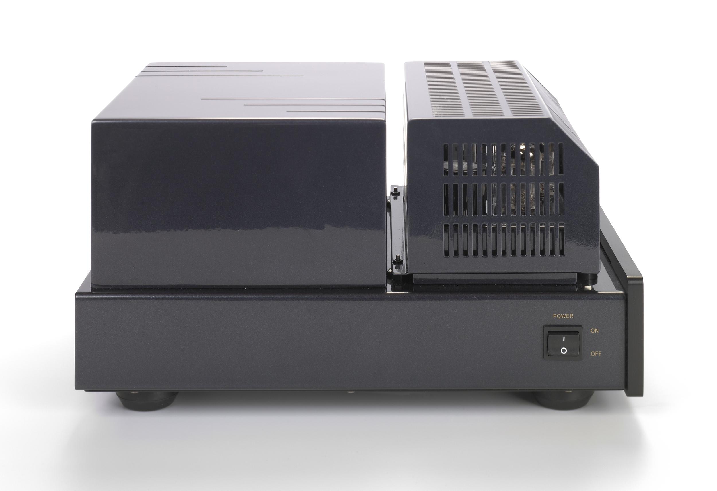 002-PrimaLuna Classic CD Player-zwart.jpg