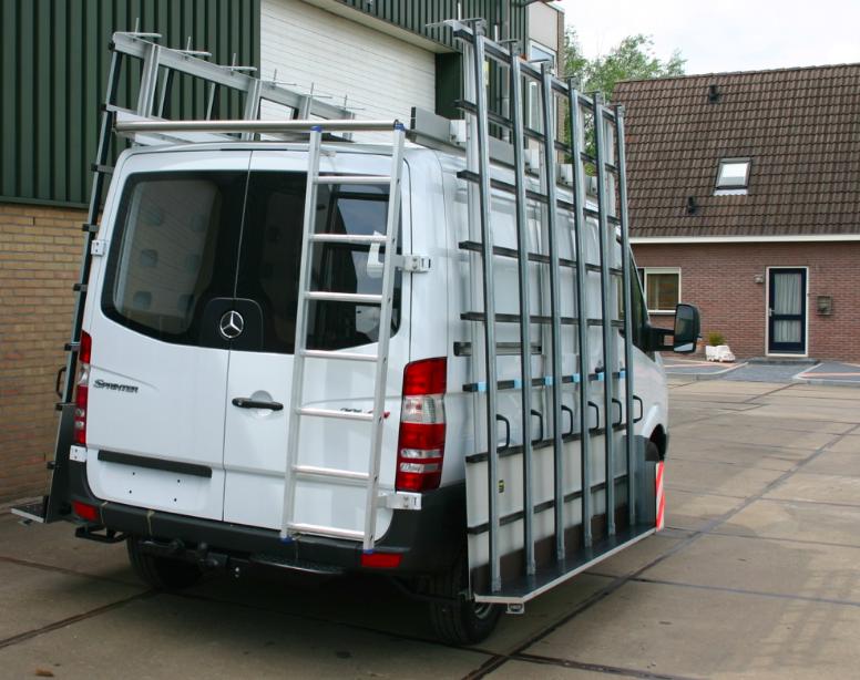 Glasrestelen bedrijfswagen met ladder