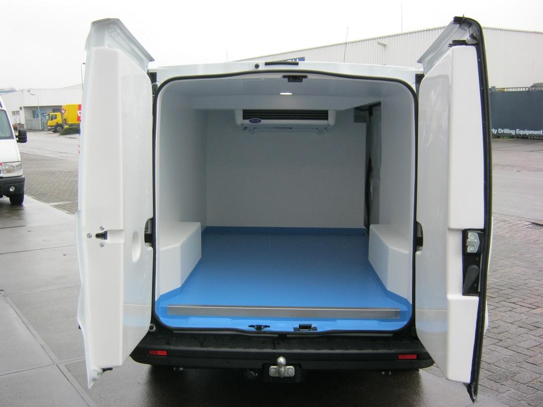 Koelwagen inbouw met koelunit - achterdeuren open