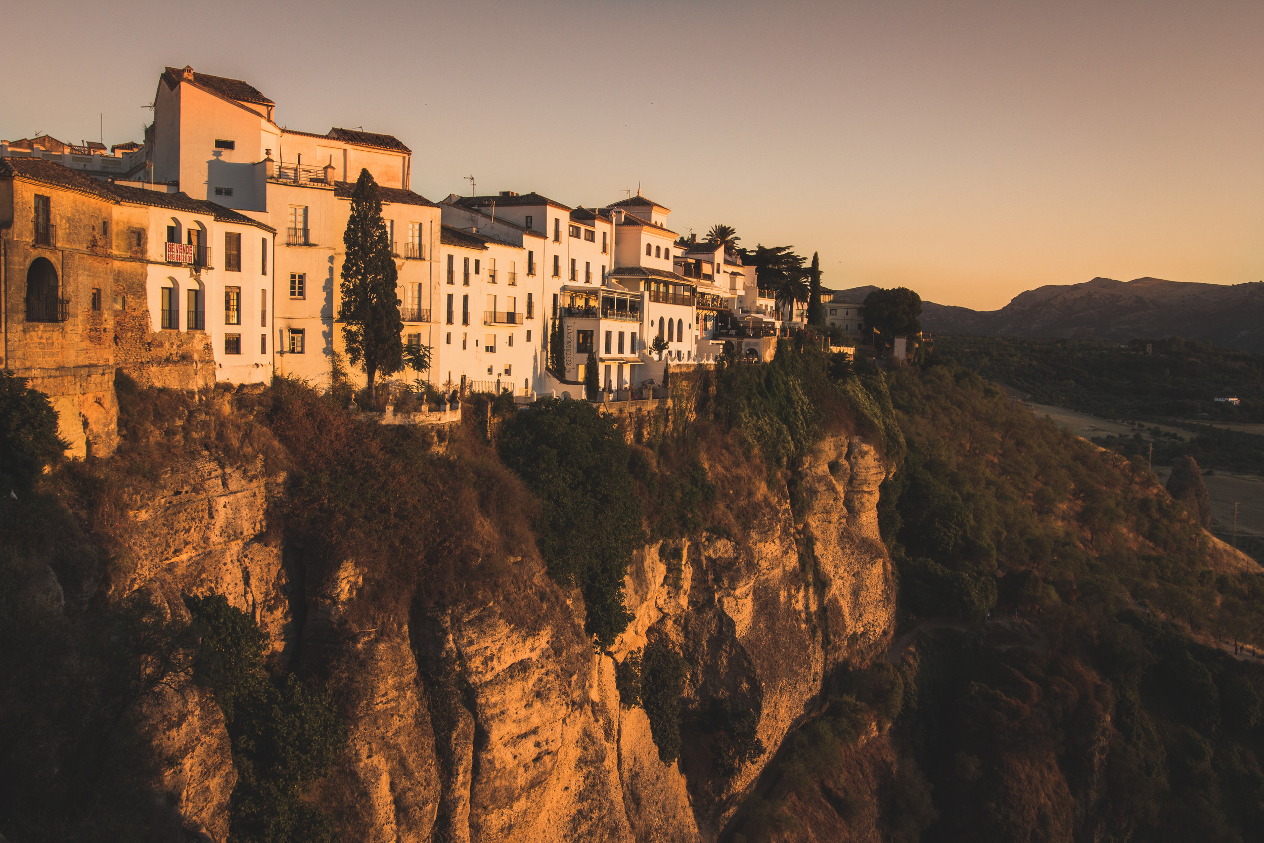 RONDA    A historic andalusian town located on a mountain. Click on the image for more.