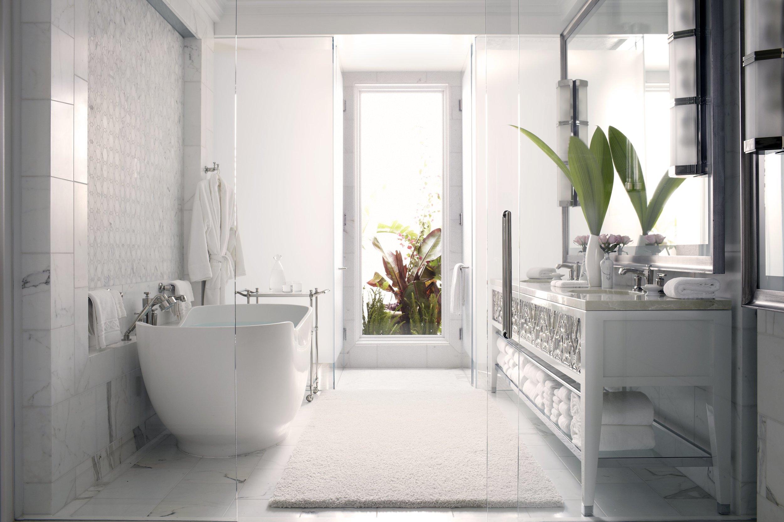 H5PE8_42933189_Master_Bathroom.jpg