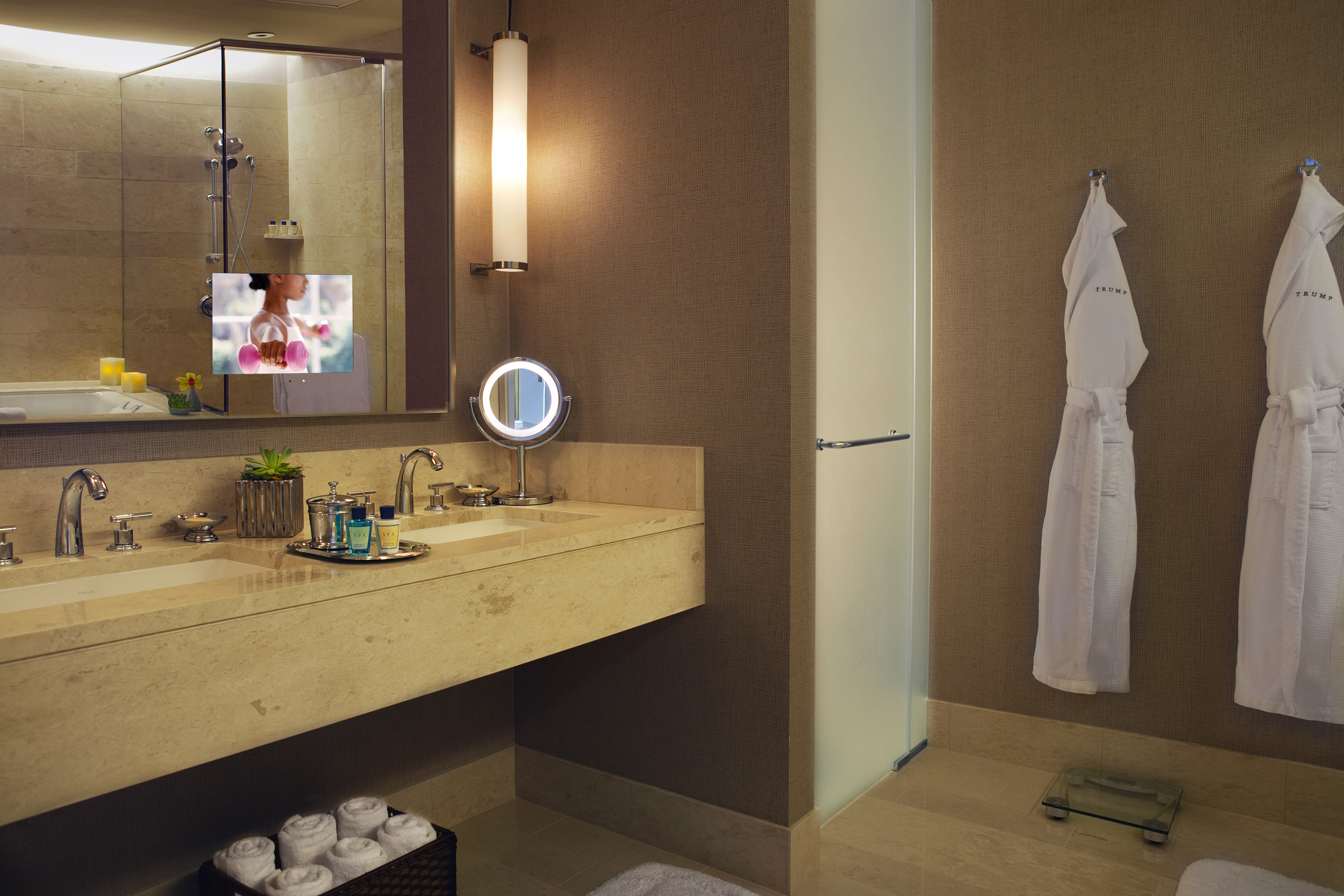 1323465000-spa-bath.jpg