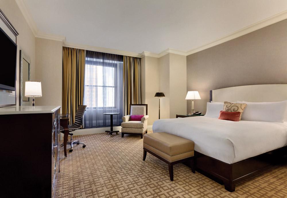 King-Bed-Fairmont-Luxury-Room-923145-1.jpg