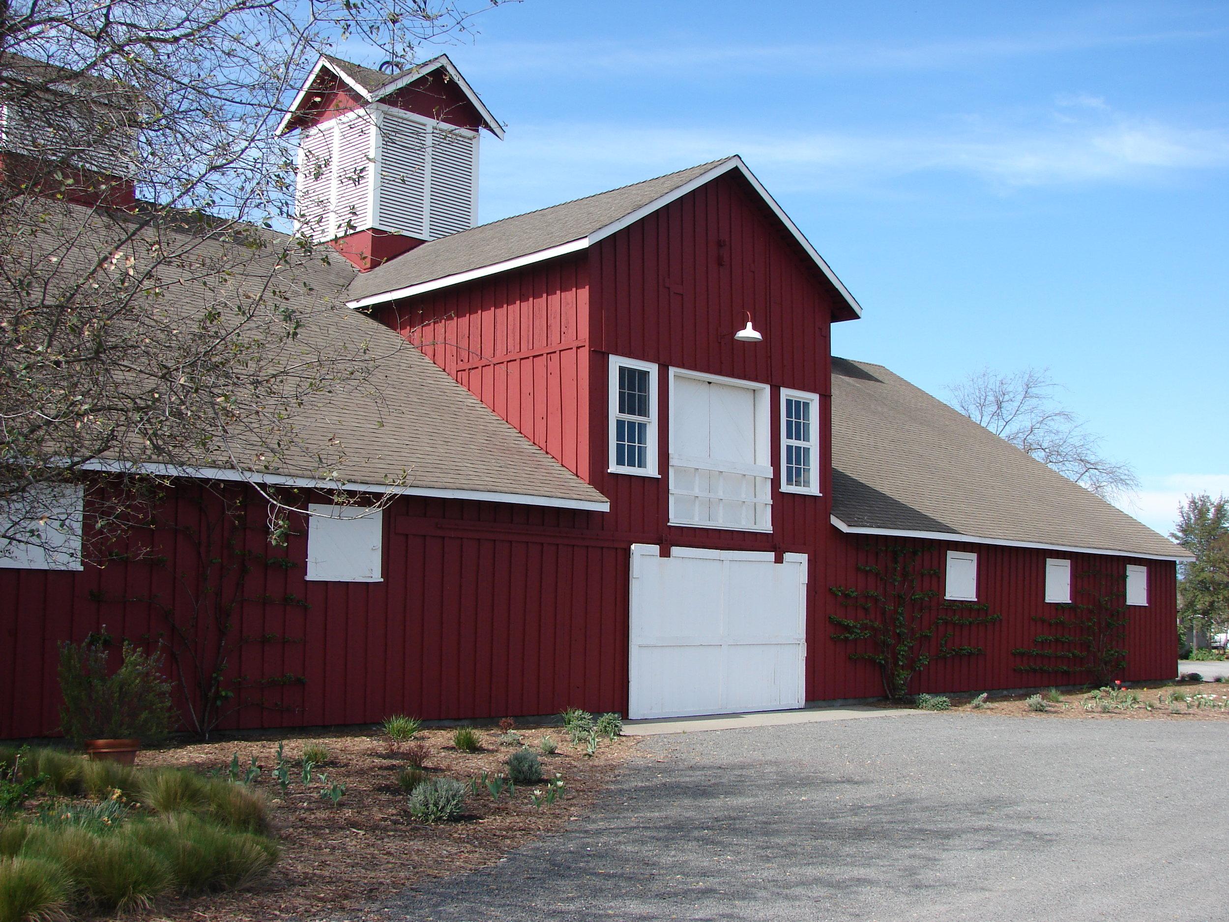 Historical Red Barn 2 Saint Helena.JPG