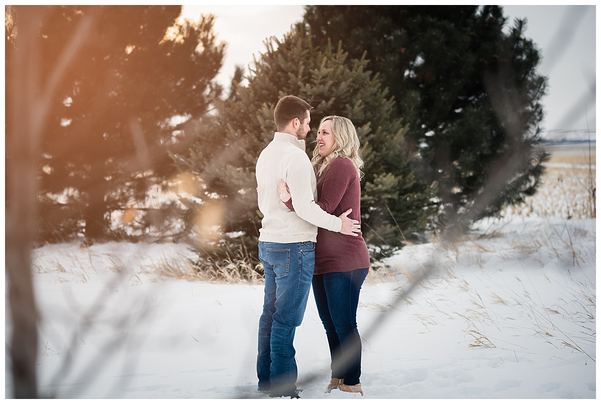 maternity-portraits-snow-nebraska_0148.jpg