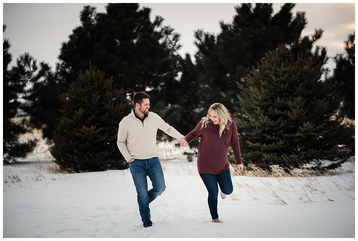 maternity-portraits-snow-nebraska_0150.jpg