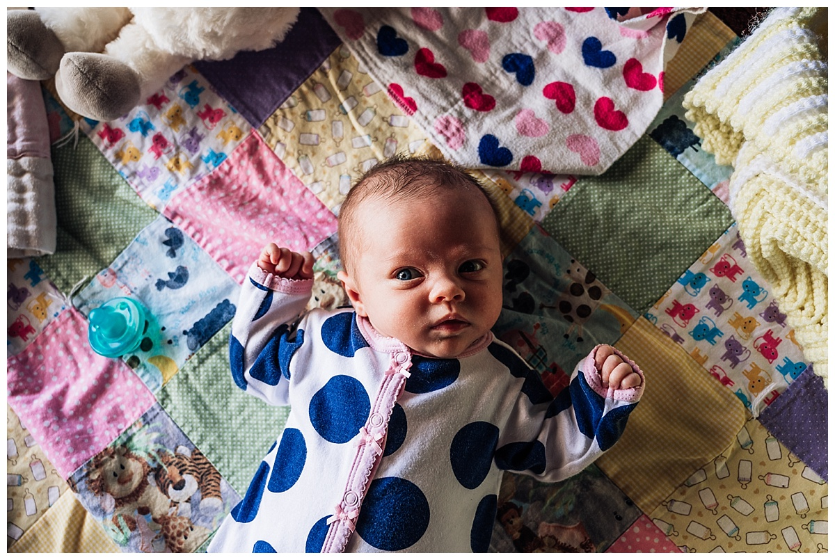 newborn-in-home-storytelling-photo-session_0175.jpg