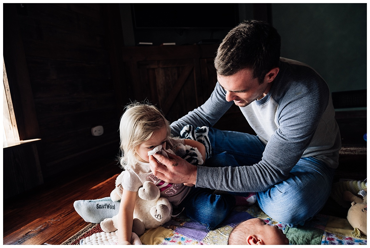 newborn-in-home-storytelling-photo-session_0179.jpg