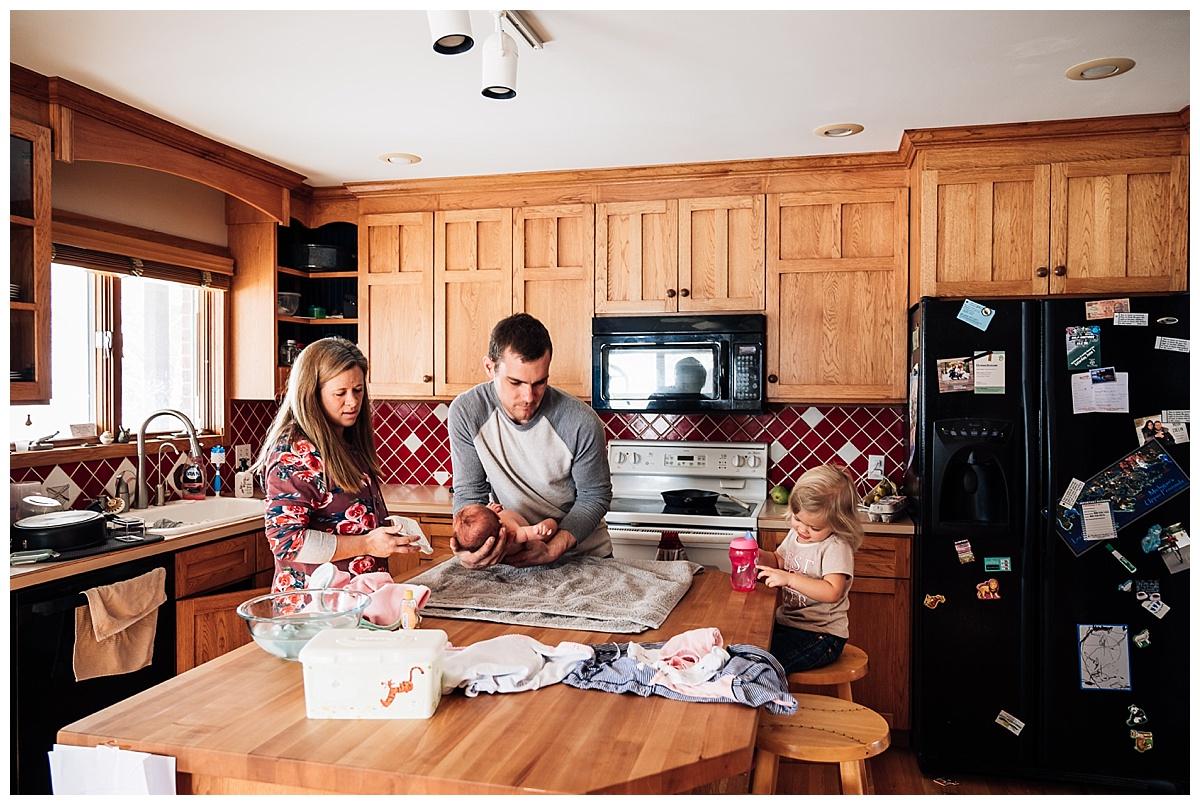 newborn-in-home-storytelling-photo-session_0187.jpg