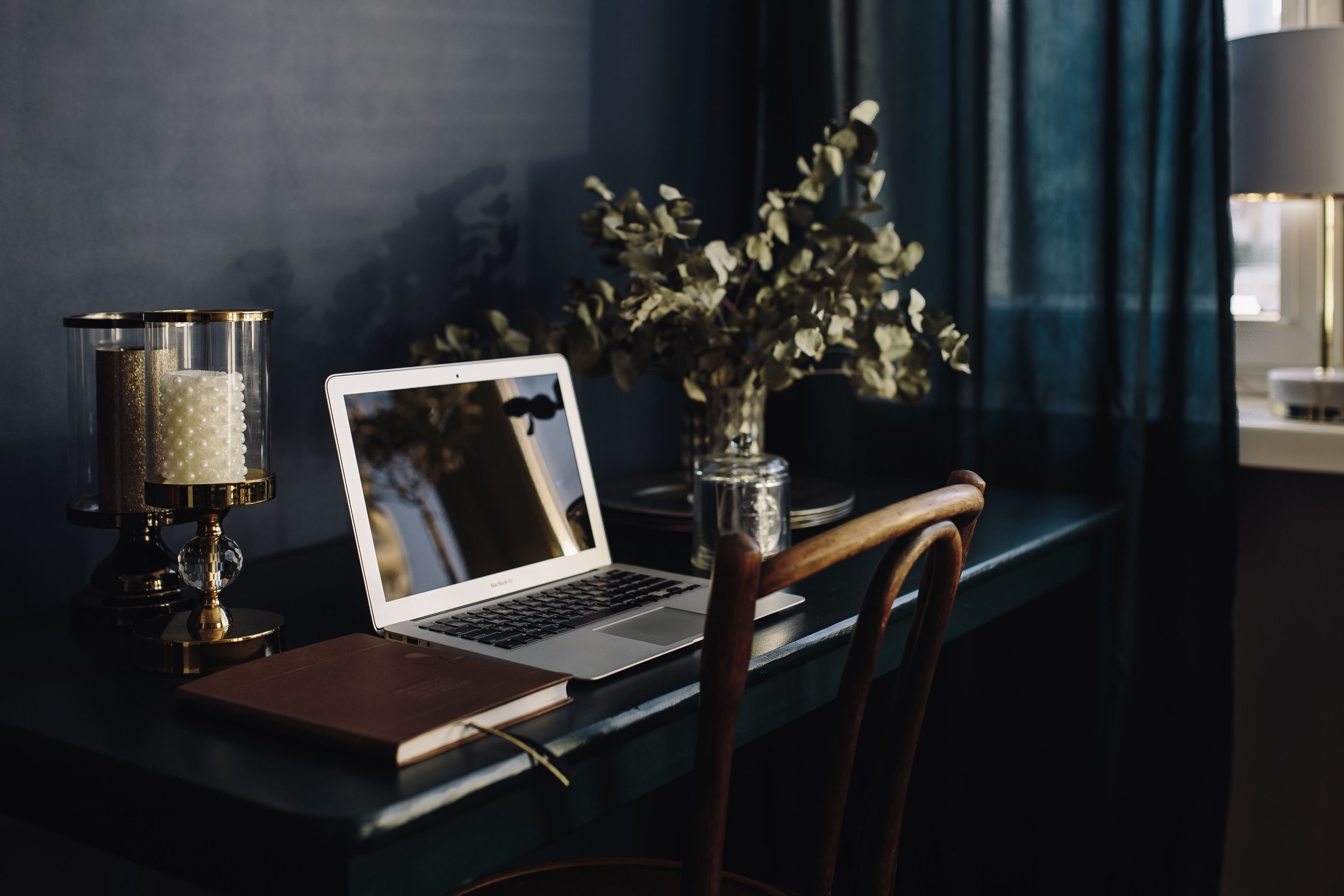 kaboompics_Modern Home Office.jpg