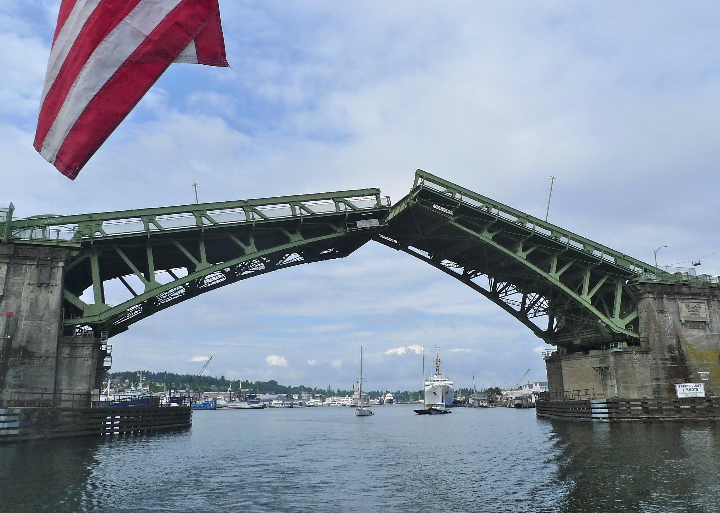 View_from_boat_of_Ballard_Bridge_opening_-_Seattle_2011.jpg