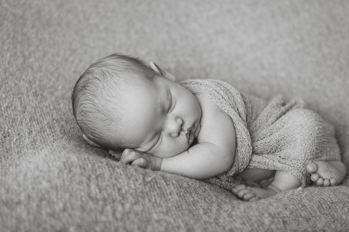 untitledBaby carter newborn pictures Kristi Gatyon Photography_-3.jpg