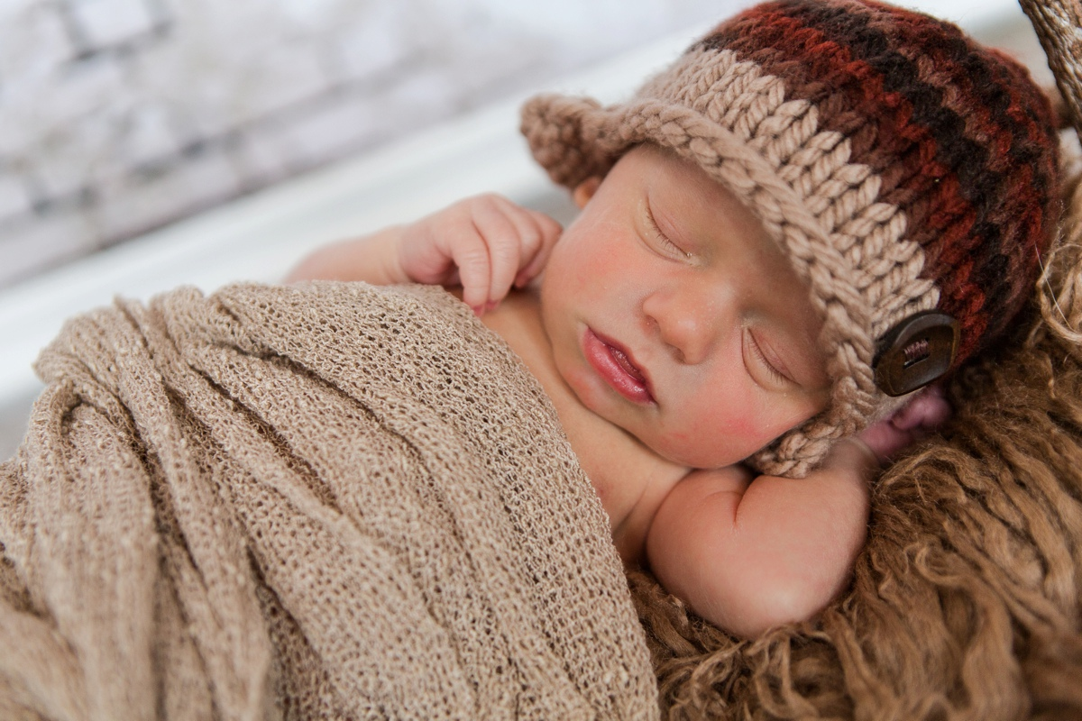 reno newborn photographer newborn baby in brown kristi gayton photography