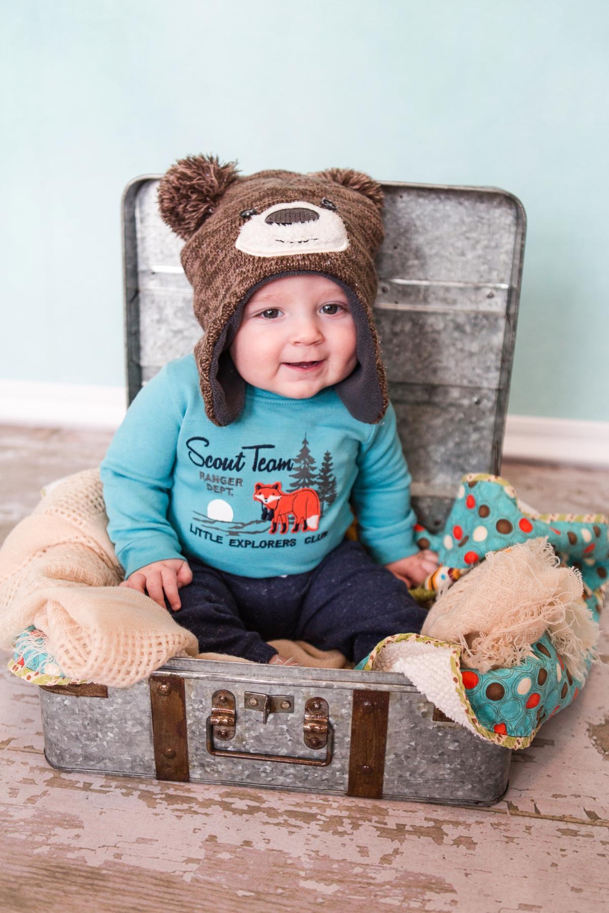 reno family photographer baby braxton in bear hat kristi gayton photography