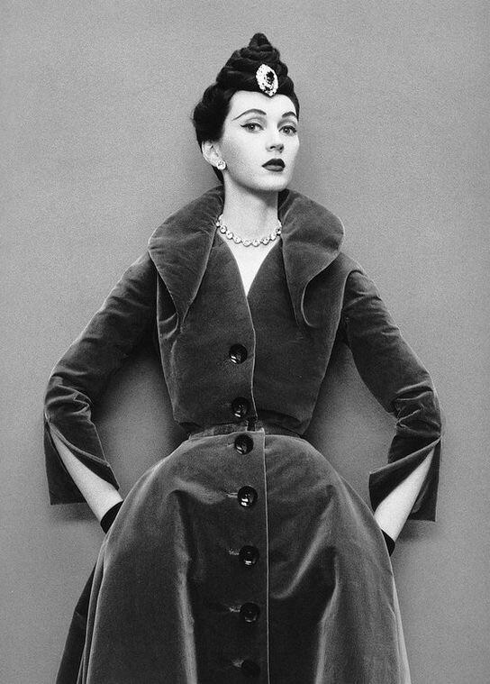 Dovima in velvet coat-dress from Dior's Oblique Line, Autumn/Winter Collection 1950, photo by Richard Avedon