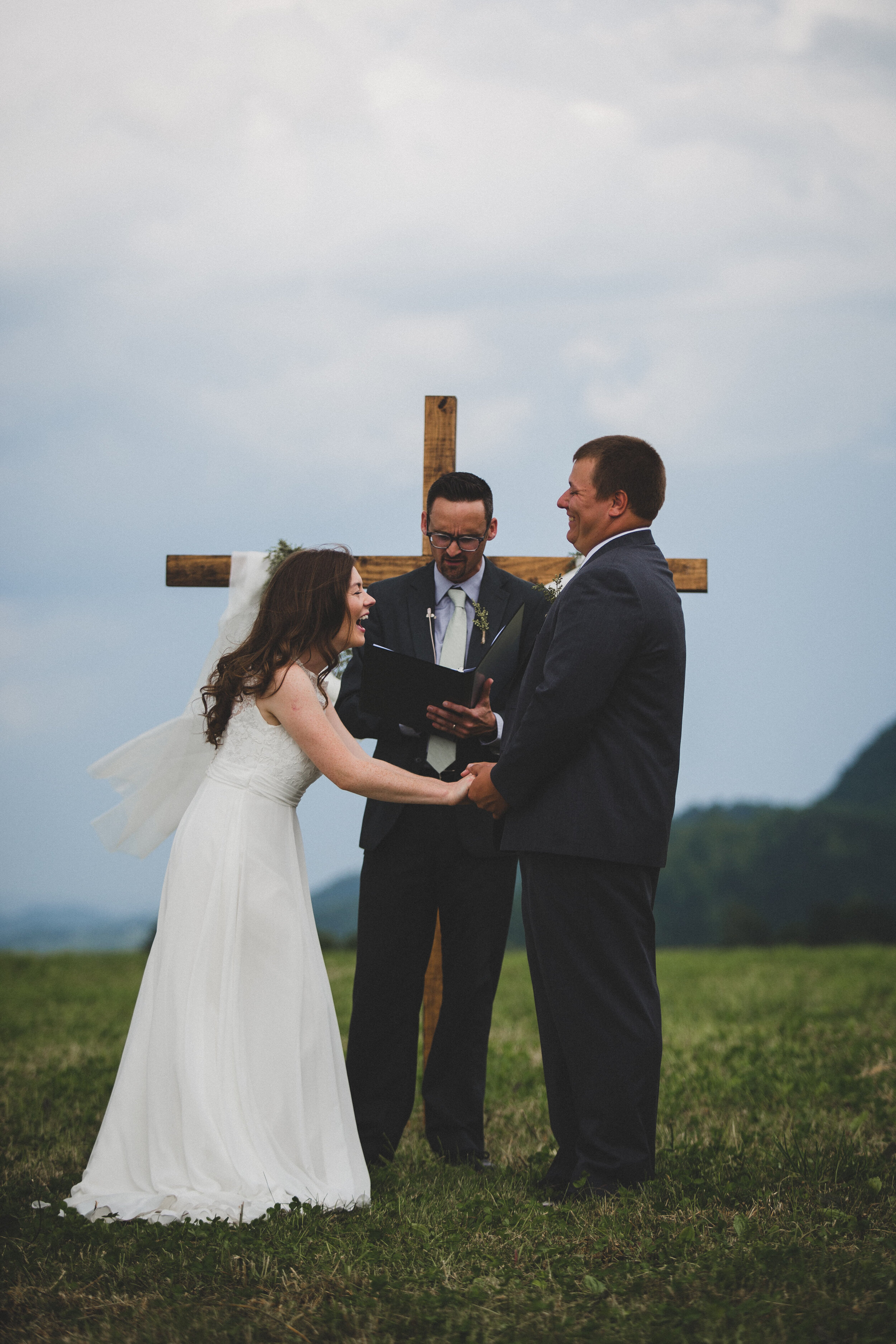 ERP_2017_LindseySeth_southwest-virginia-farm-Wedding-326.jpg