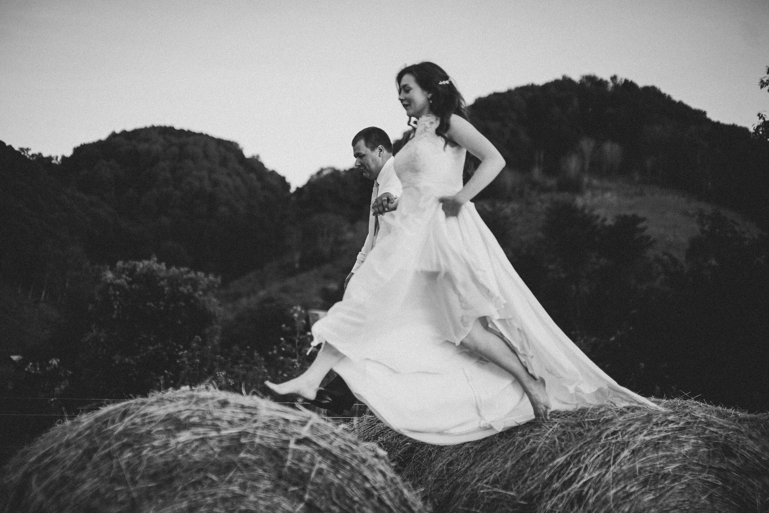 ERP_2017_Lindsey-Seth_southwest-virginia-farm-Wedding-photographer-620.jpg