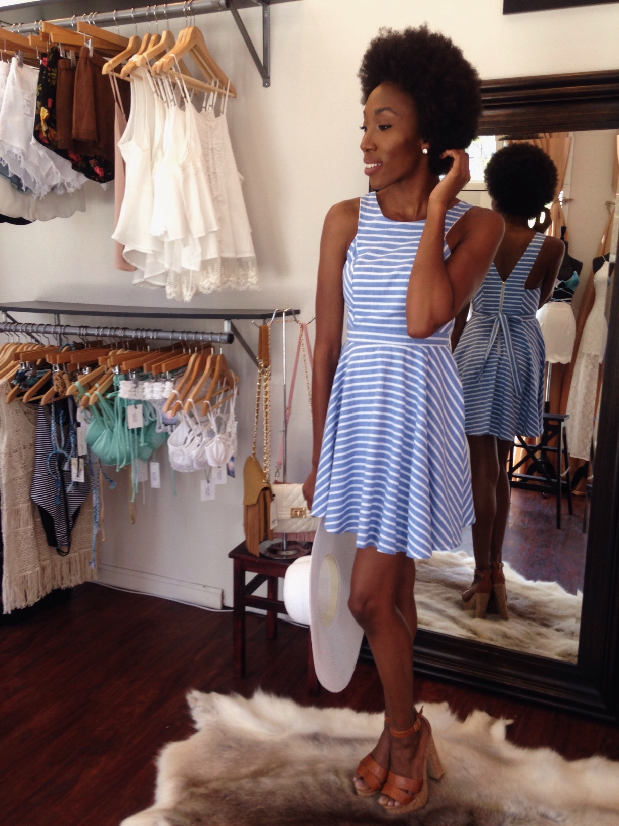 This Dress is perfect for Sunday Brunch or any fun Sunny day event!!