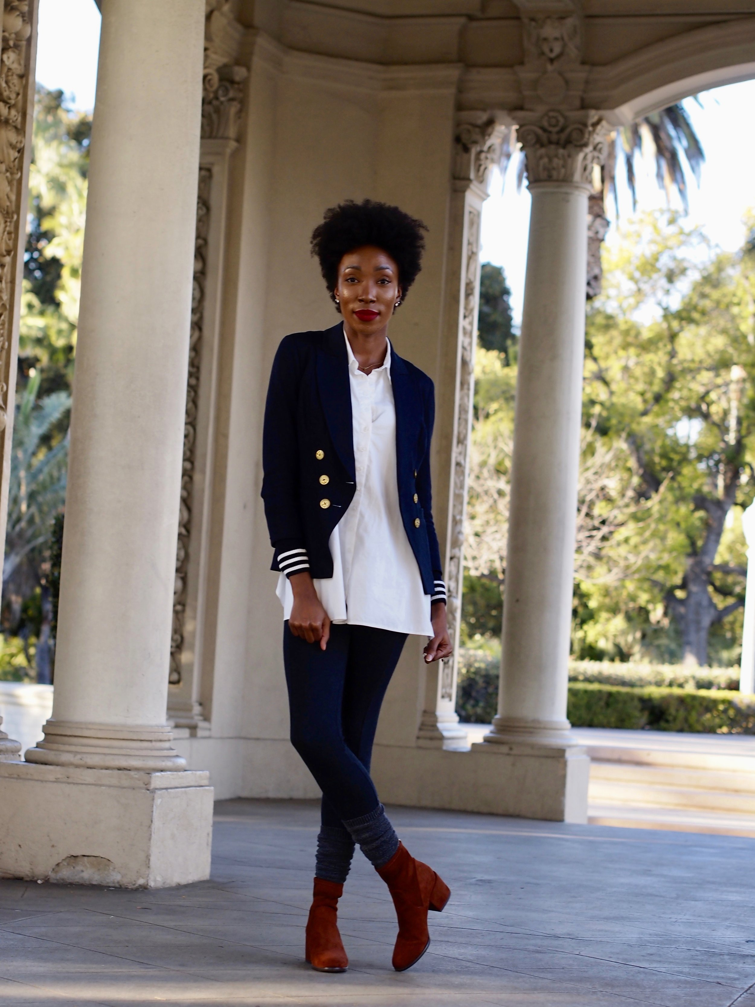 All of my Cabi fans out there know that the Grand Slam Blazer is a Hot item, and I can't get enough of it. It can be dressed up or dressed down and is amazing for any occasion.  Details:  Blazer, Button up and leggings:  Cabi   Socks: Target  Boots: H&M ( Similar )