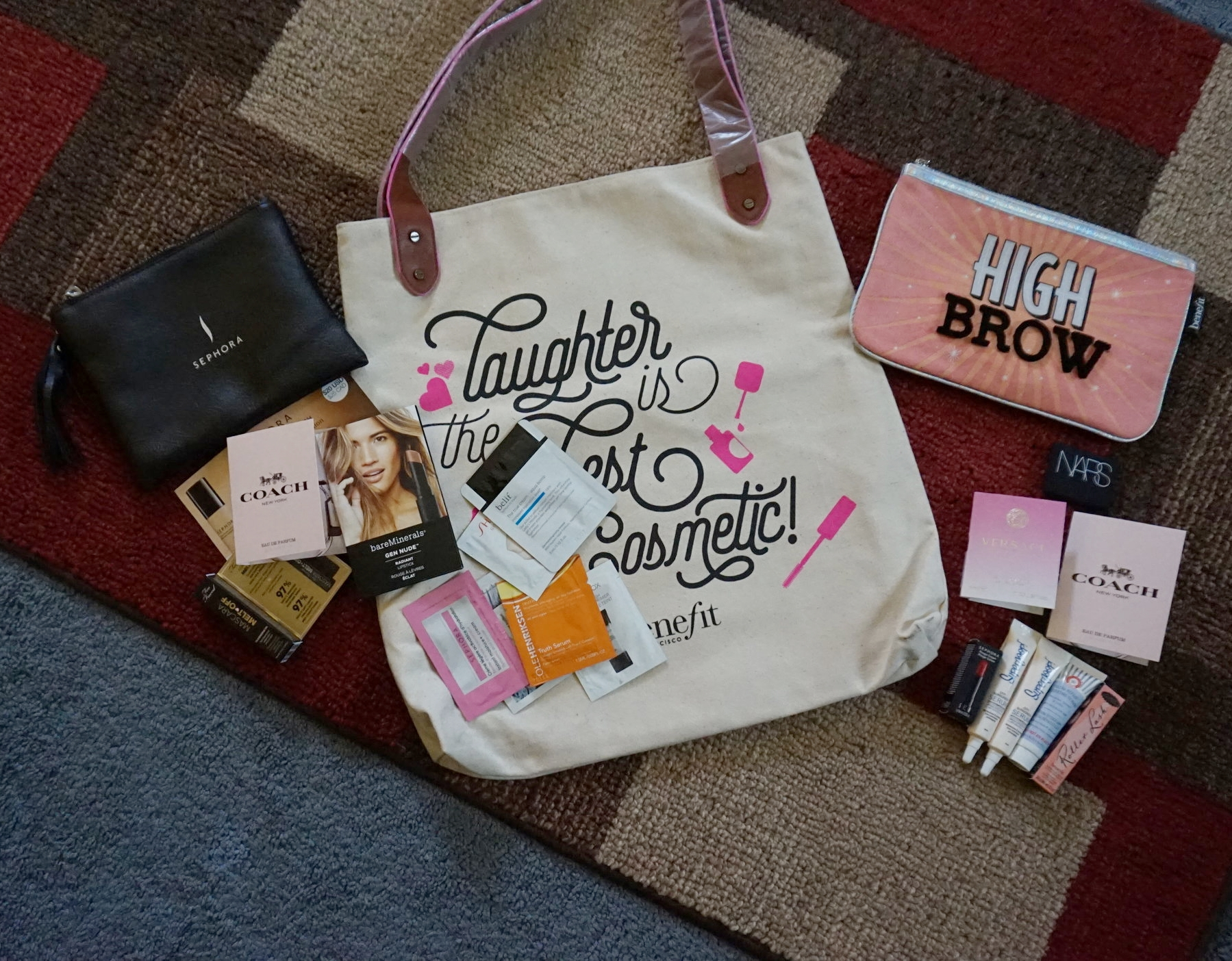 What's in my goodie bag??? Here's what I got!! I love samples it helps me decide if I want a certain product or not. there have been quite a few products that I have picked up the full size of, because I got a sample. don't hate on the sample game!!