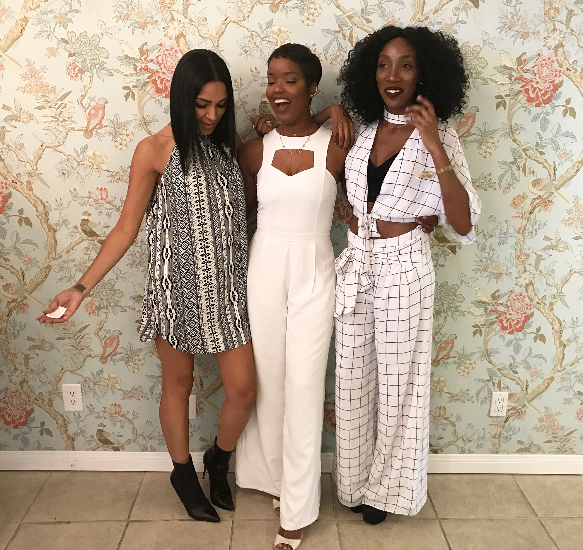 Candids with Pashana and Kennesha!! It's so funny, because we all picked out a look when we arrived to the store to wear for the night and we just by chance happen to coordinate. Not planned at all!!
