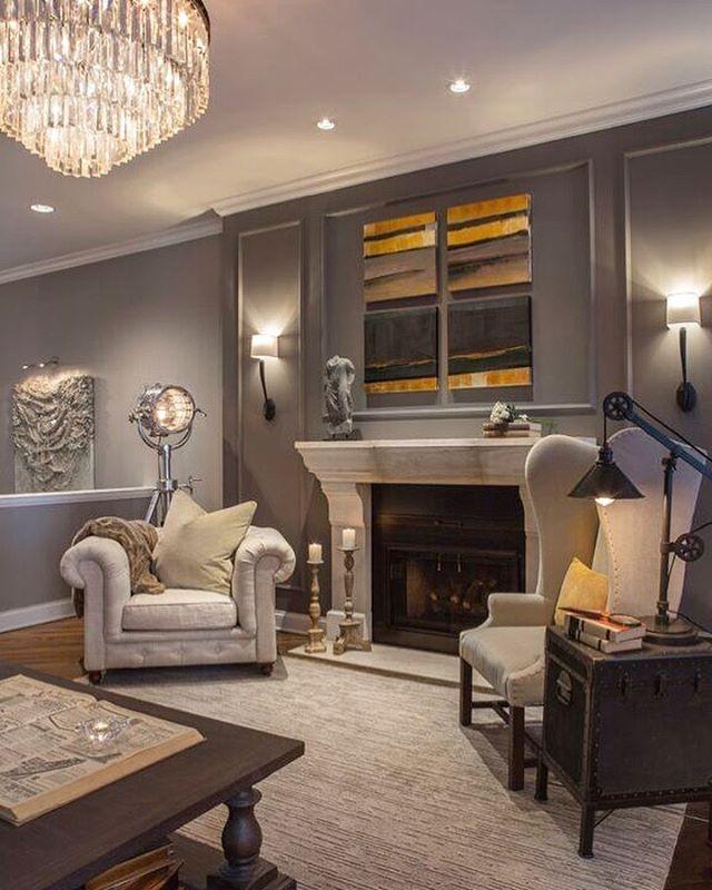 Artwork is essential to tie a space together. Design by hk+c. #hkplusc #artwork #interior #design #grey #livingroom #luxurious #dianeschroeder
