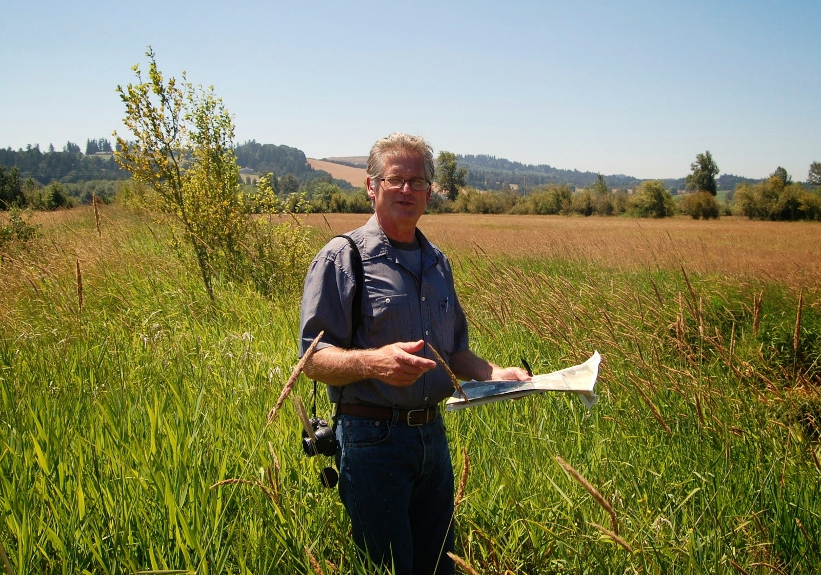 Les Bachelor, District Conservationist, U.S.D.A. Natural Resources Conservation Service, develops conservation plan for Santiam Valley Ranch.