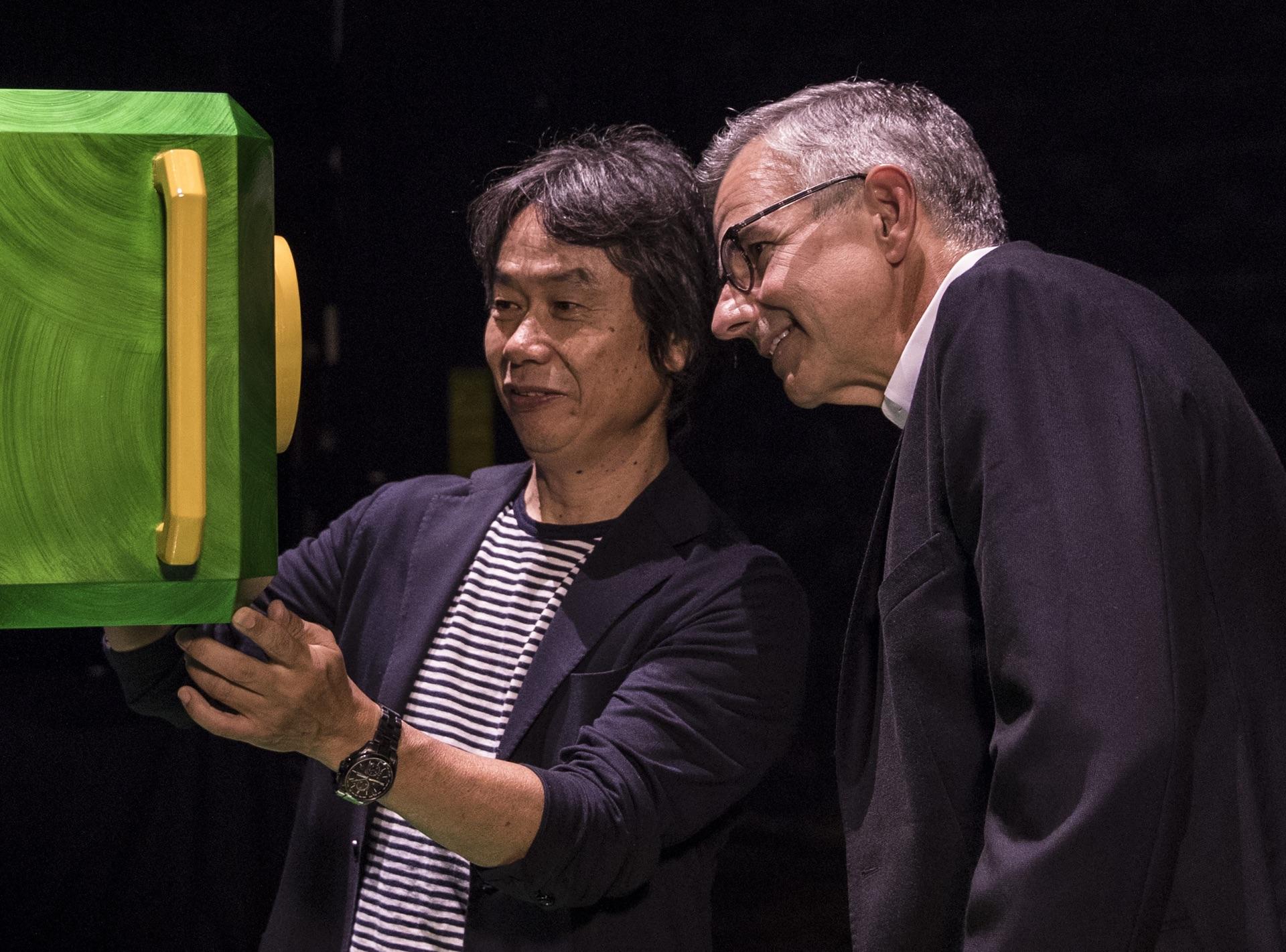 Miyamoto and Universal executive Mark Woodbury. Image: Universal