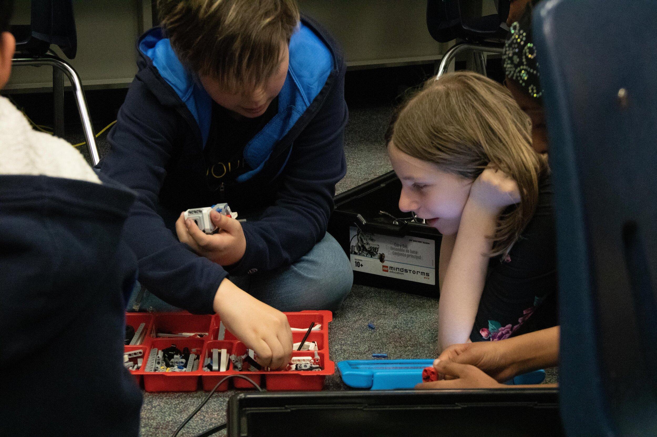 HAK Sumer Robotics2.jpg