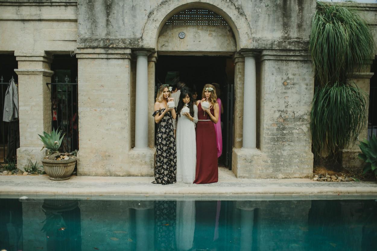 I-Got-You-Babe-Weddings-The-Riad-Byron-Bay-Wedding-Kitty-Jimmy089.jpg