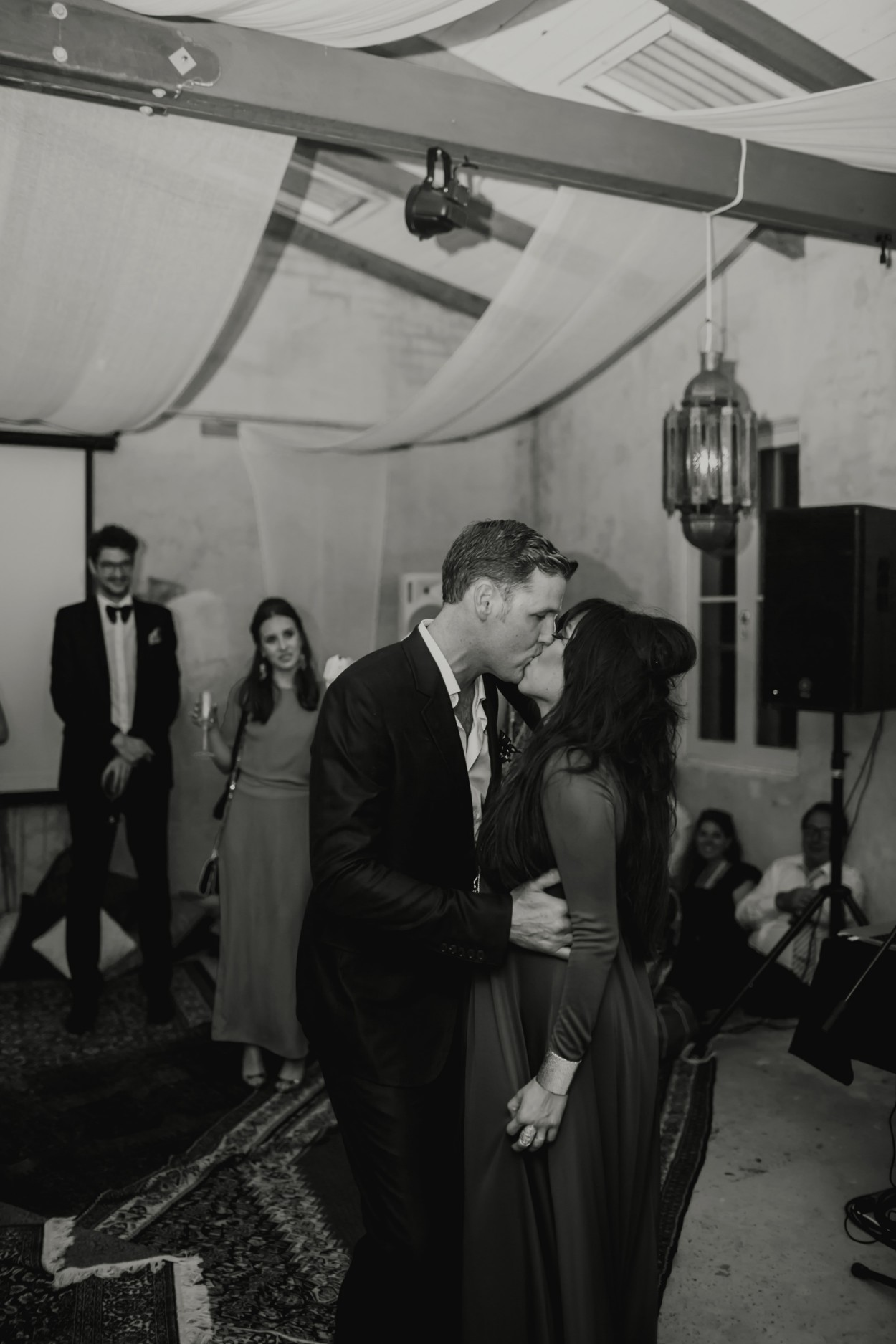 I-Got-You-Babe-Weddings-The-Riad-Byron-Bay-Wedding-Kitty-Jimmy158.jpg