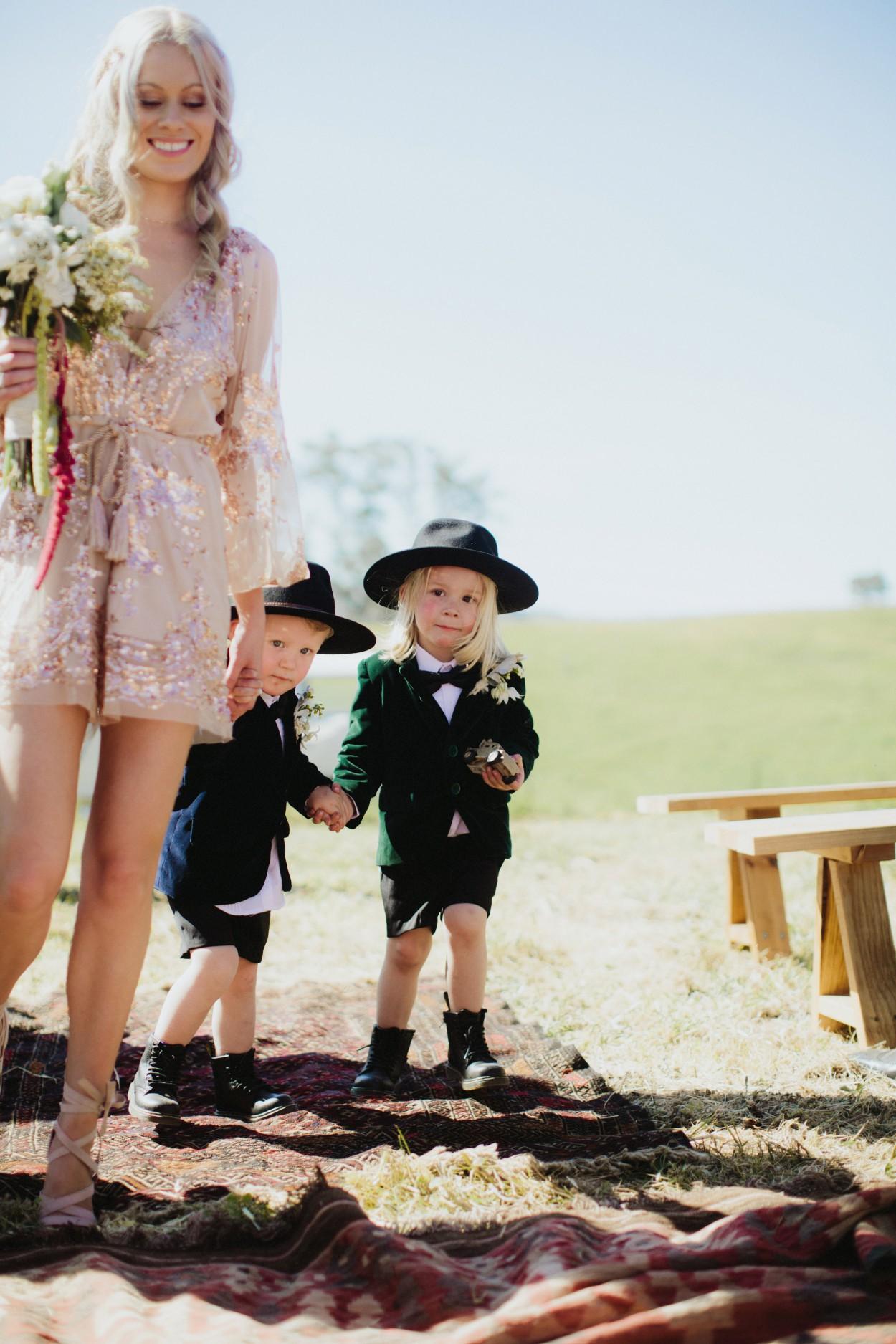 I-Got-You-Babe-Weddings-Farm-Wedding-Emma-Tim098.jpg