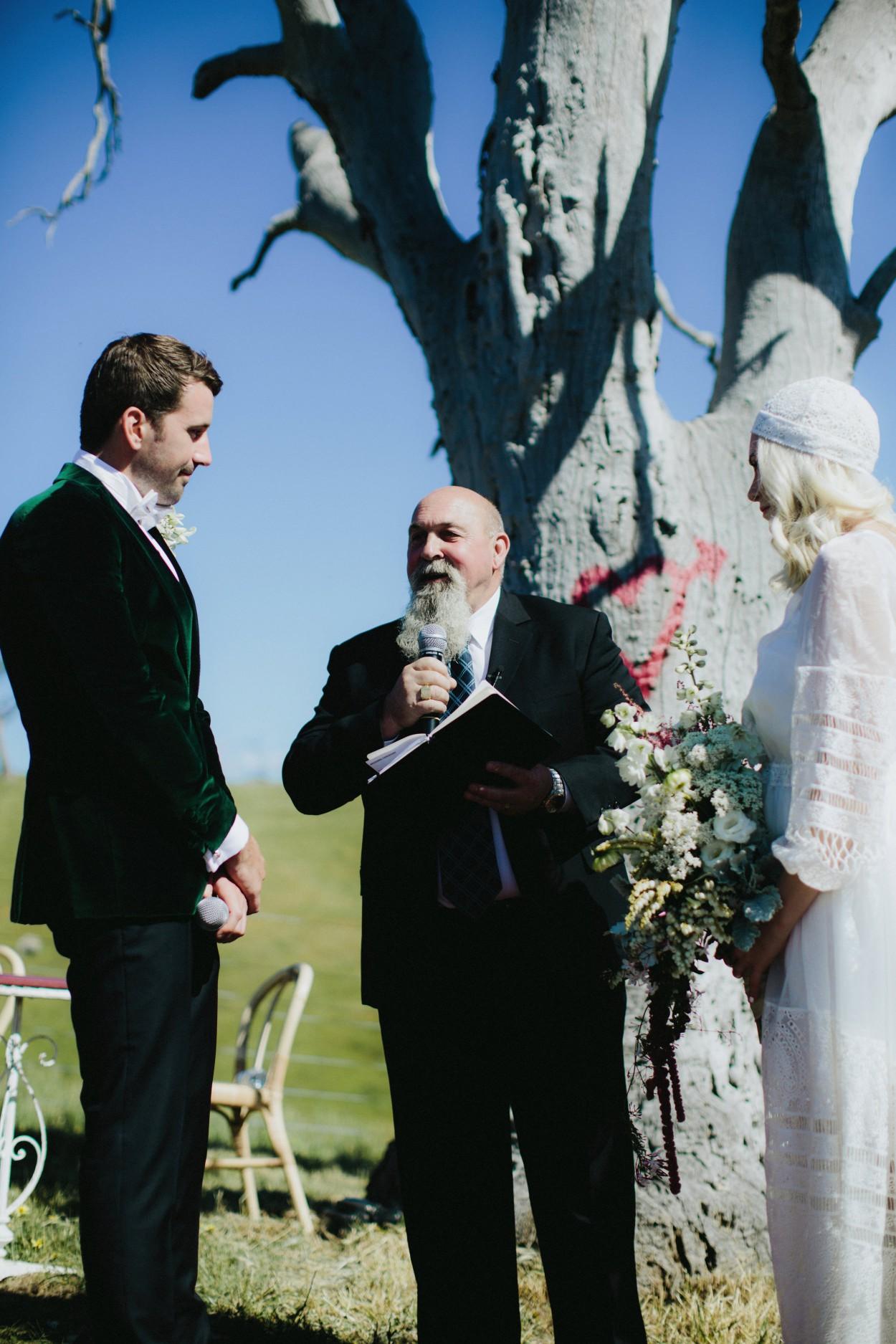 I-Got-You-Babe-Weddings-Farm-Wedding-Emma-Tim105.jpg