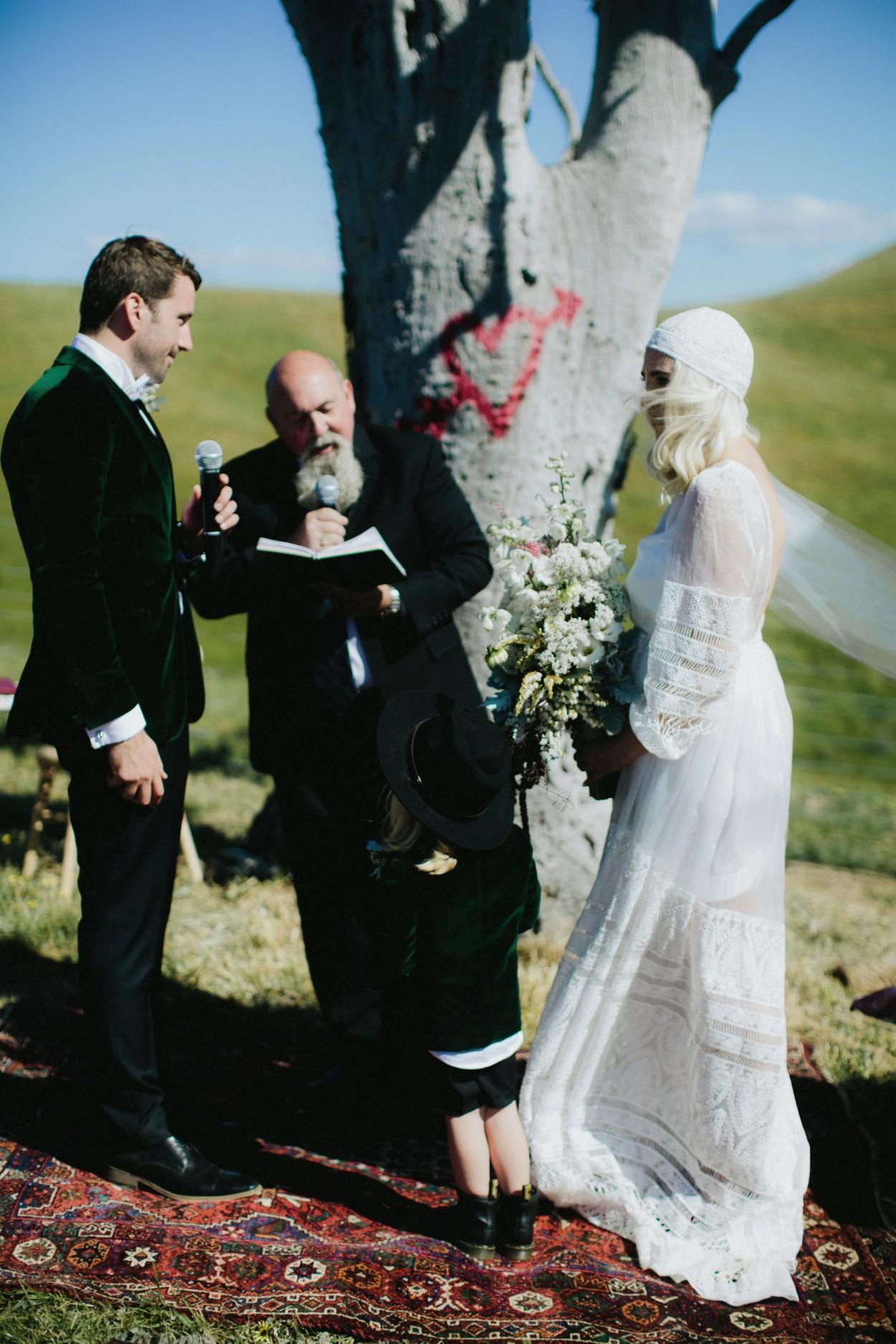 I-Got-You-Babe-Weddings-Farm-Wedding-Emma-Tim109.jpg